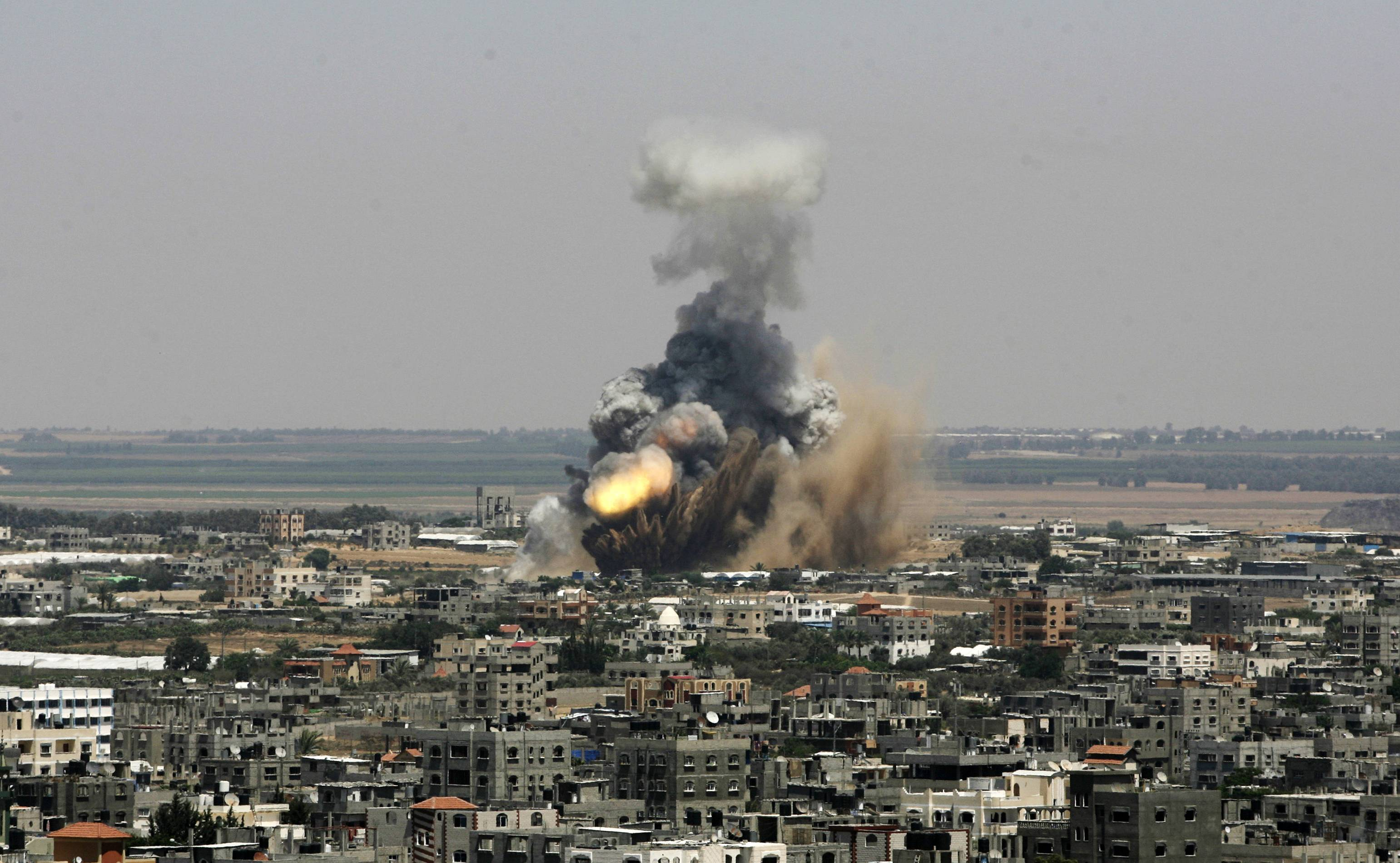 Rockets hit Israeli heartland as offensive begins