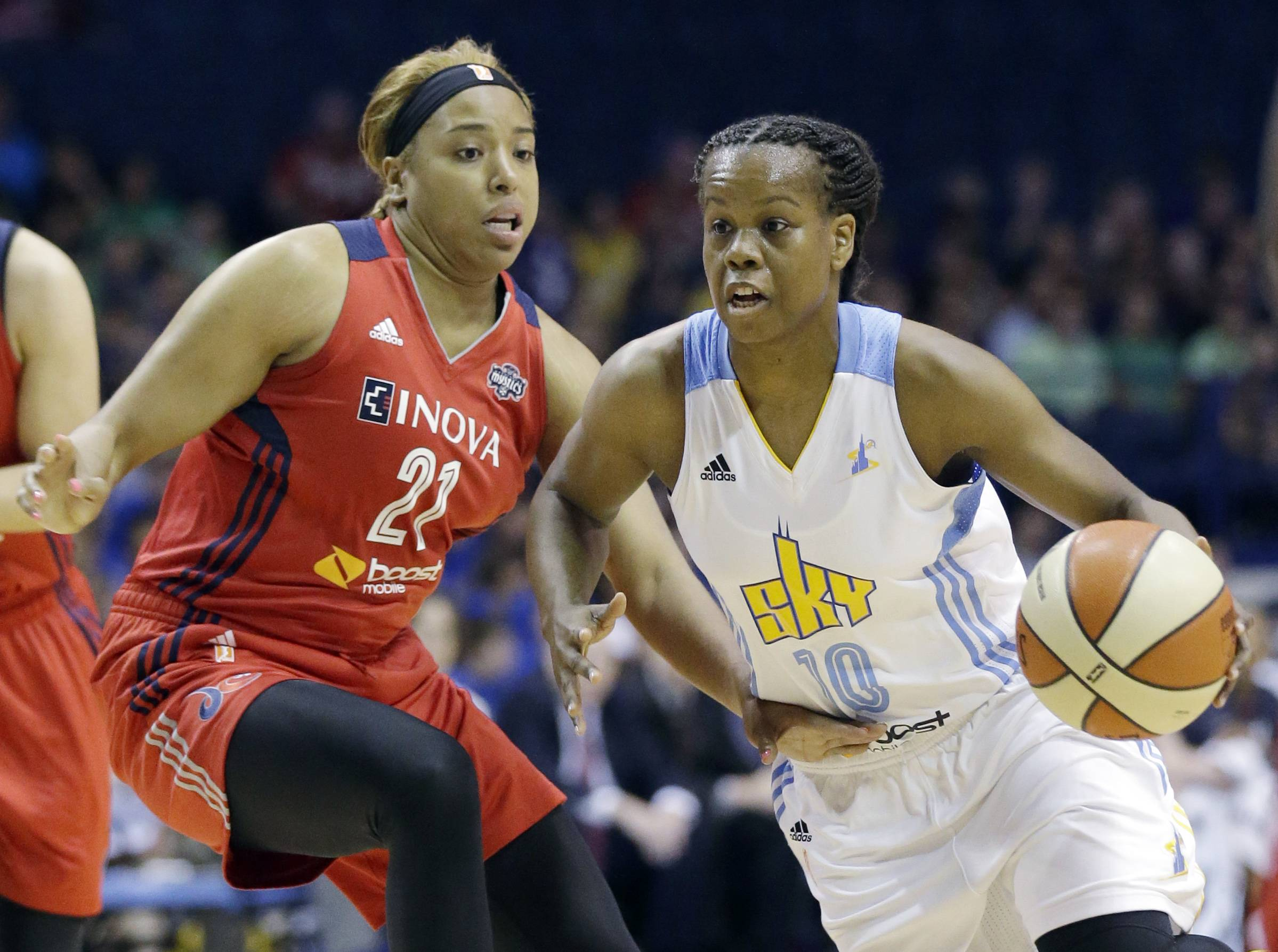 Chicago Sky guard Epiphanny Prince (10), right, scored 14 points against the Washington Mystics on Wednesday but it wasn't enough as the Sky fell to 8-11 in the WNBA with its 10th loss in its last 13 games.