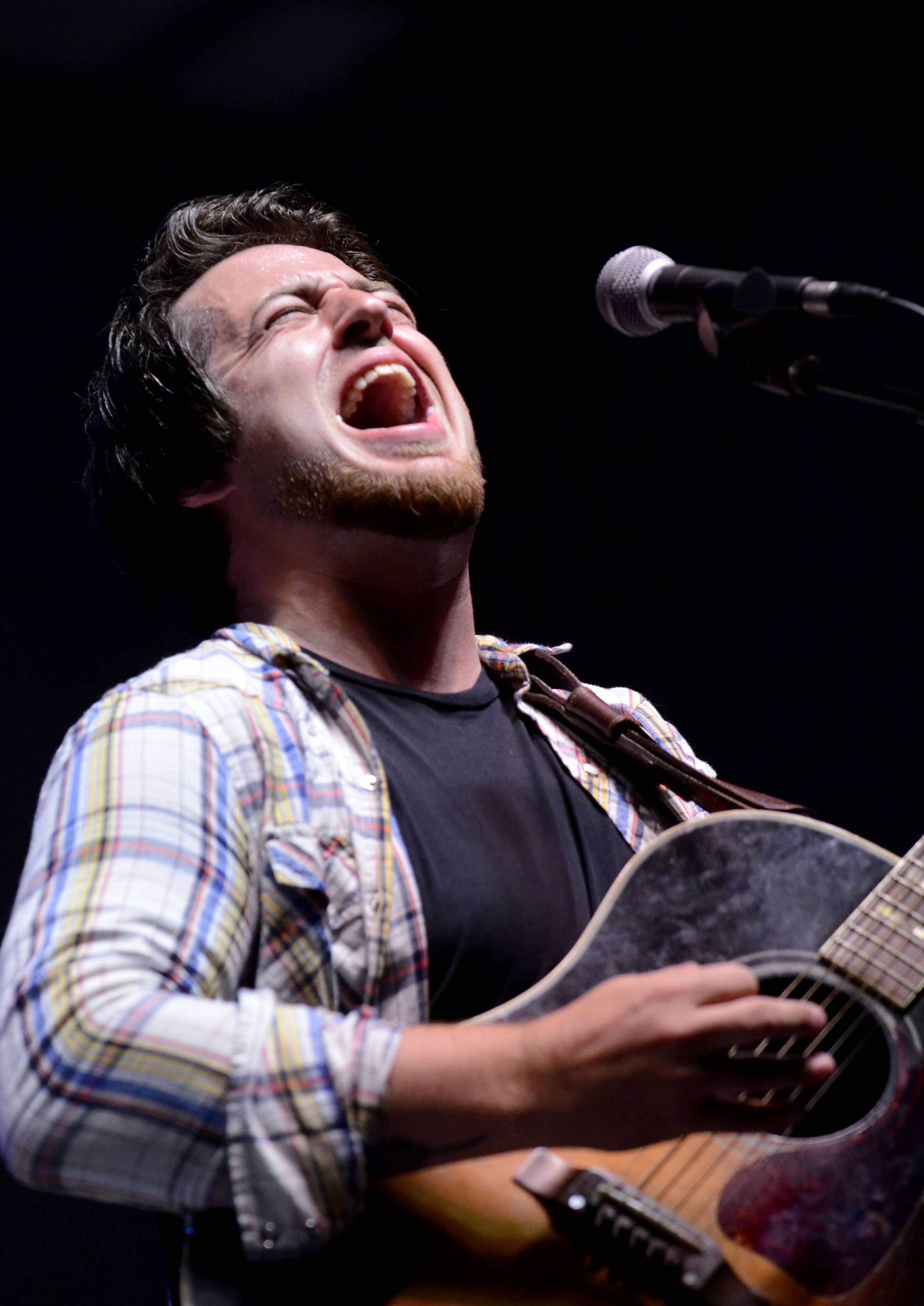 American Idol winner and Mount Prospect native Lee DeWyze performs at the Rockin' Ribfest in Lake in the Hills on Friday.