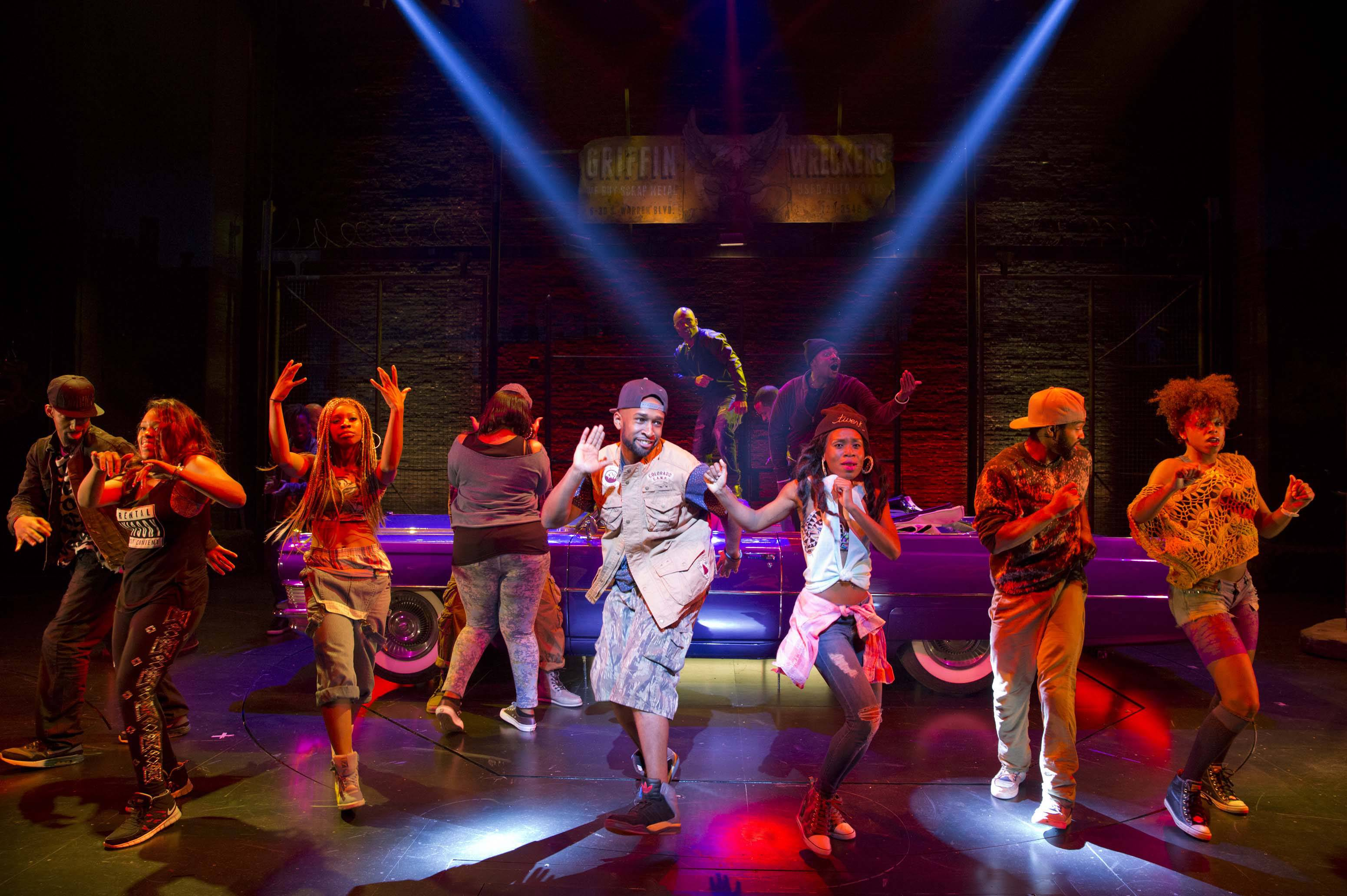 "The Broadway musical ""Holler If Ya Hear Me,"" which uses songs from Tupac Shakur, will close Sunday at the Palace Theatre after playing just 17 previews and 38 regular performances."