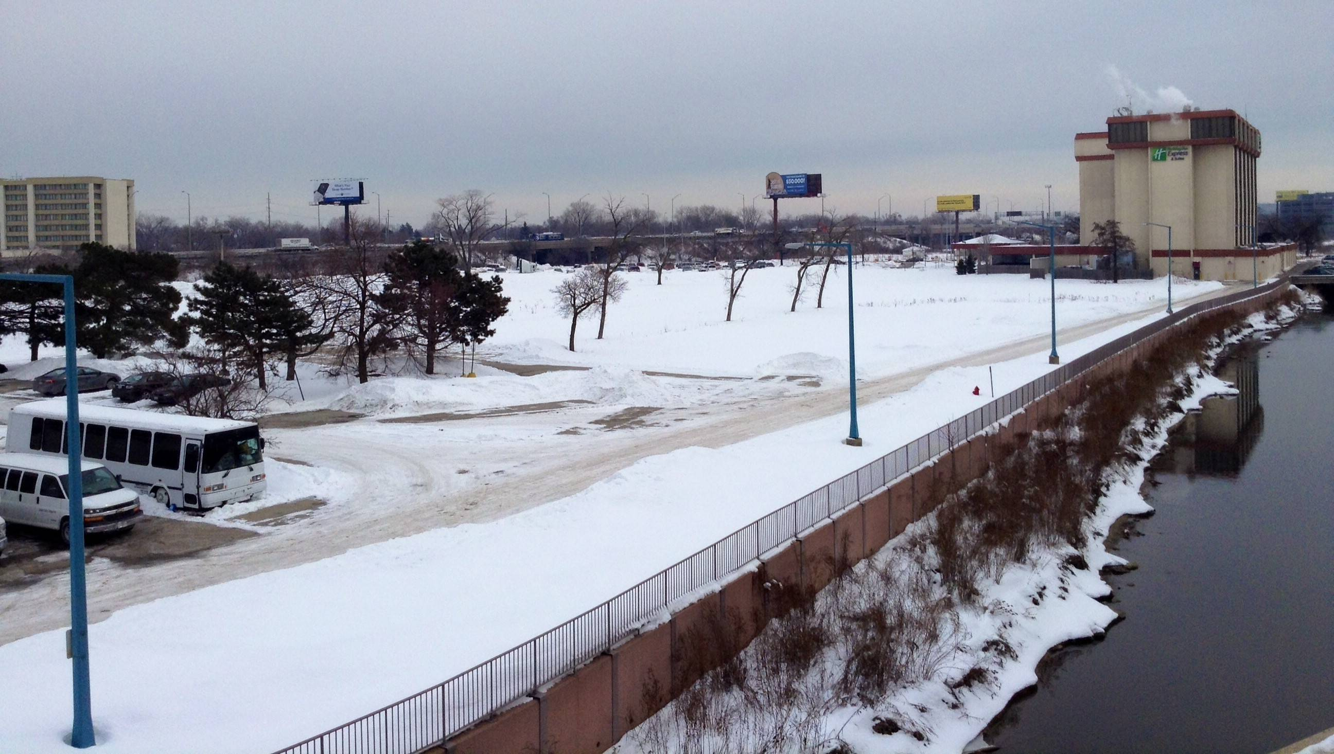 A former par 3 golf course next to a hotel at Higgins and Mannheim roads in Rosemont has been marketed as a location for office developments, but nothing has been secured as of yet, officials say.