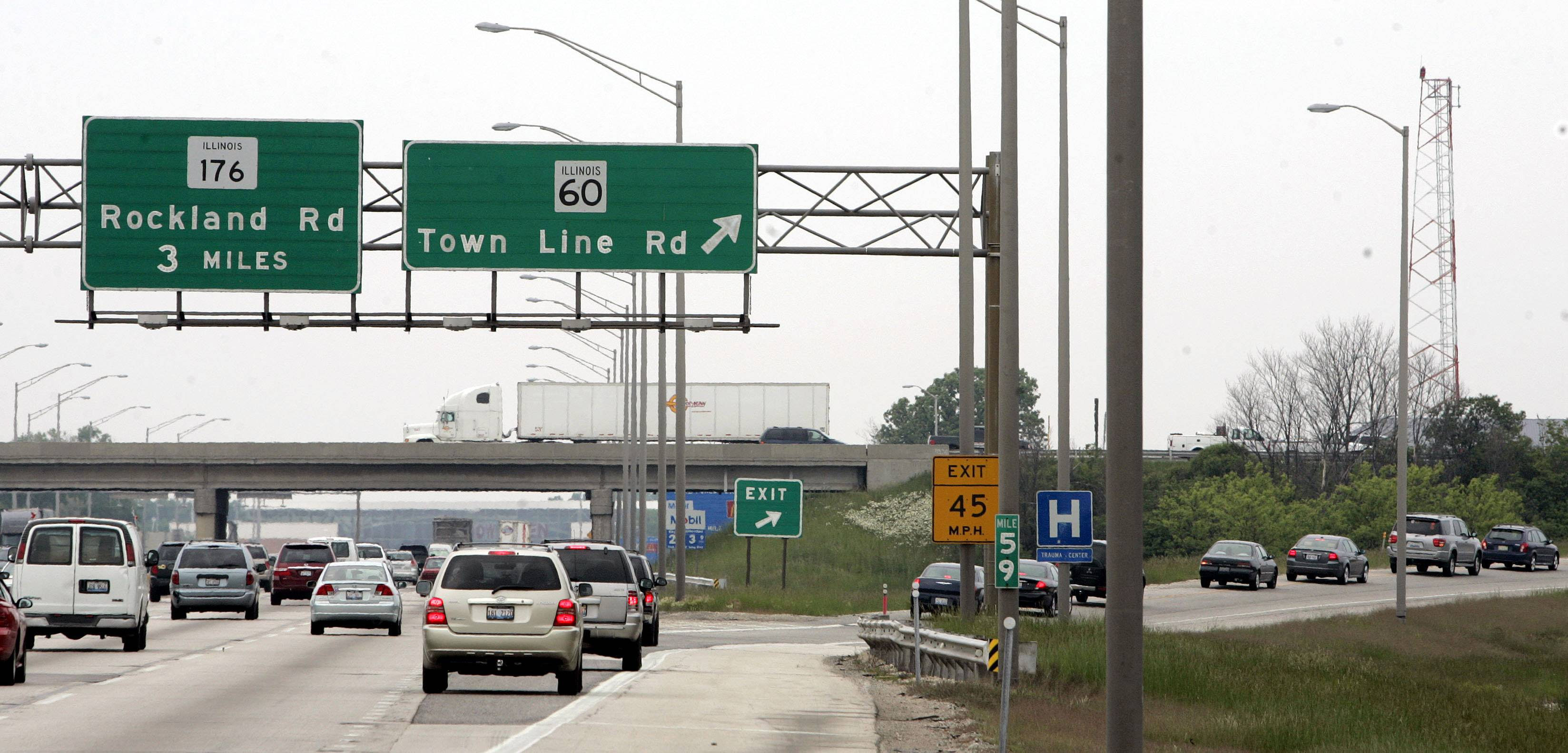 Motorists on the Illinois Tollway might one day be able to use a smartphone app to pay tolls automatically while driving.That's one of the technologies the agency wants to play with at a test site it plans to set up on a section of the Tri-State Tollway.