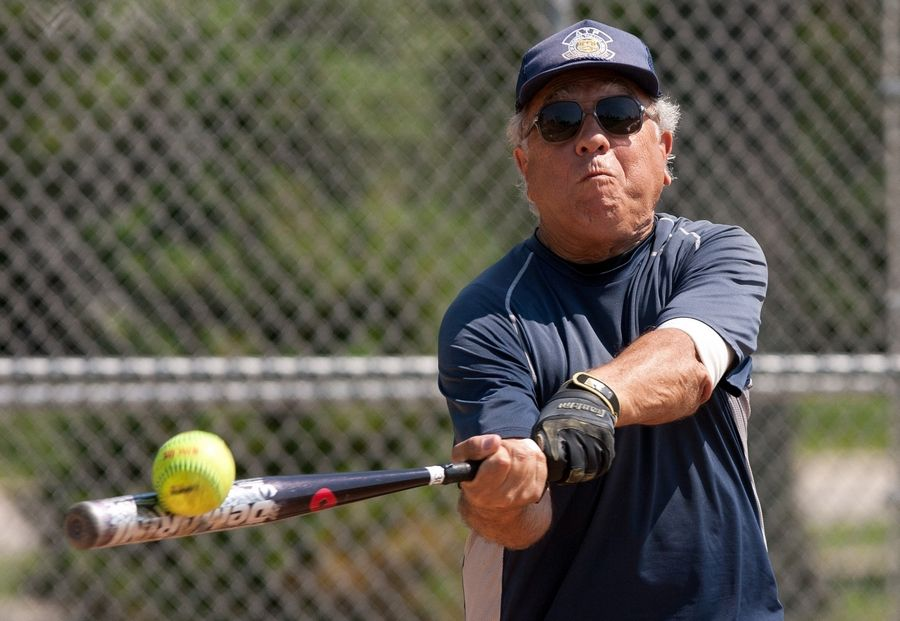 Moving Picture: 80-year-old softball player going strong