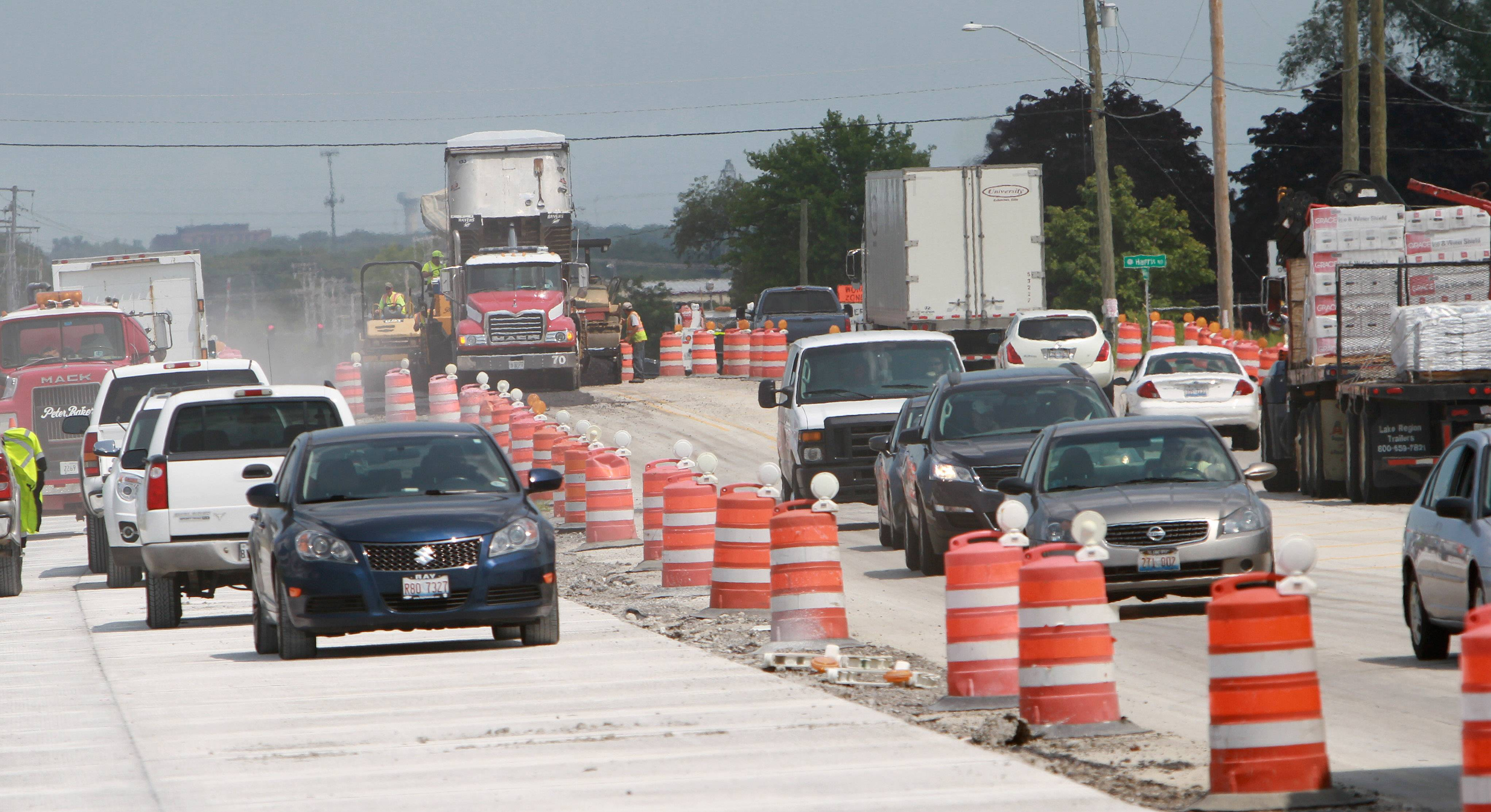 Westbound traffic is down to one lane Thursday on Peterson Road approaching Midlothian Road and the Lake County Fairgrounds in Grayslake, but it is expected to be all clear next week for visitors.