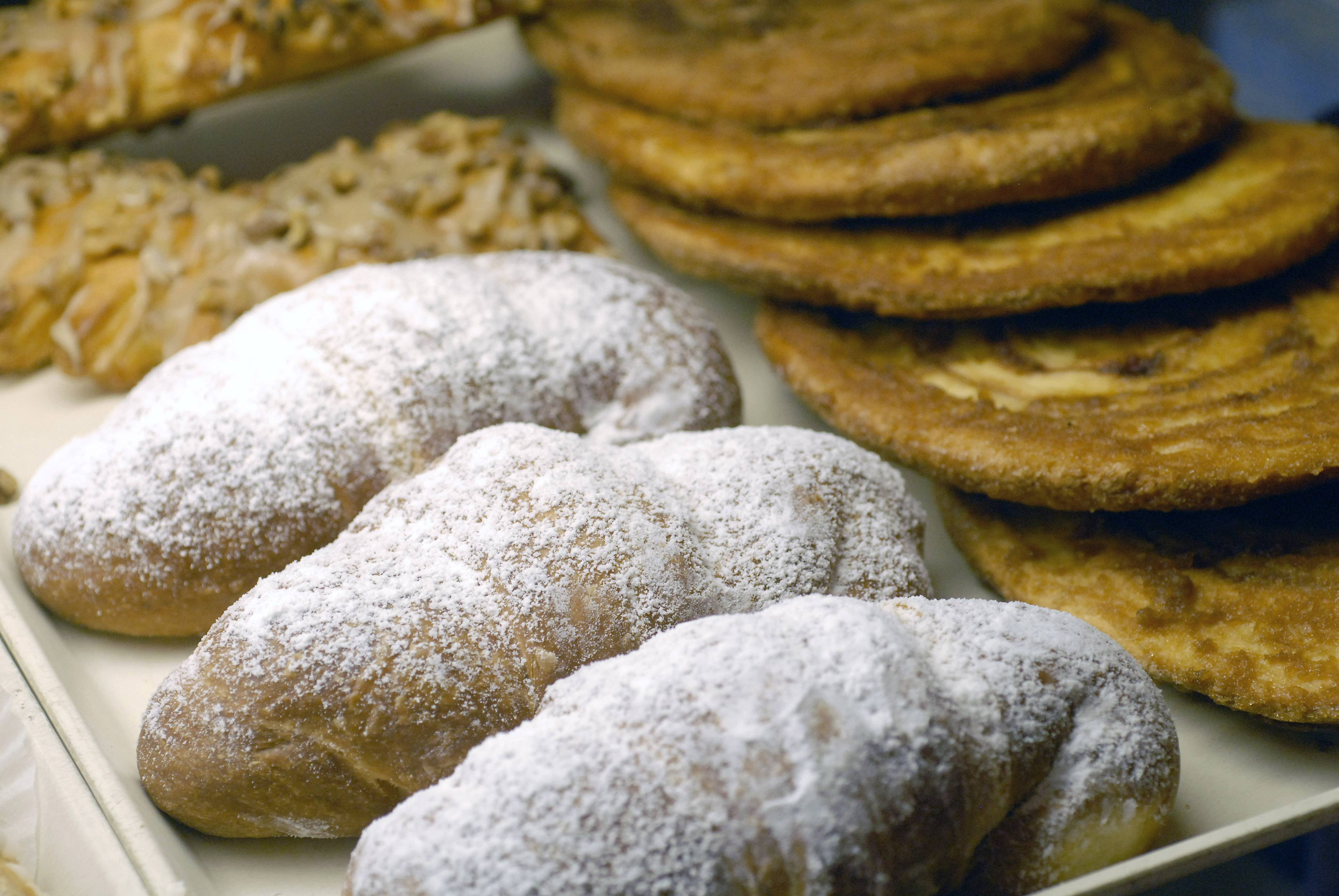 Cookies and doughnuts top the list of Americans' top sources of calories.