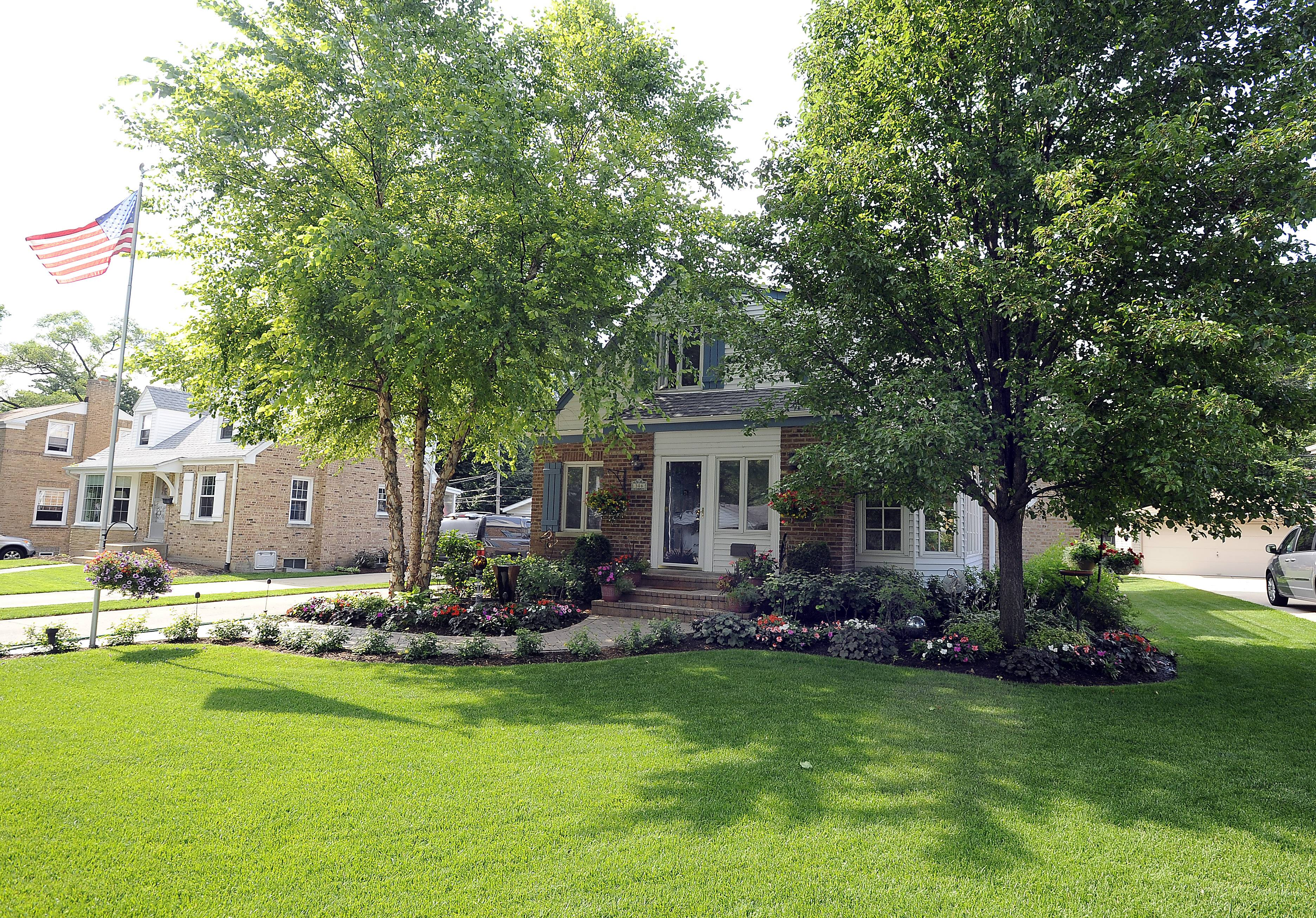 "The home at 306 Columbia Ave. in Des Plaines is a finalist in the ""best curb appeal"" category of the Curb Appeal Challenge."