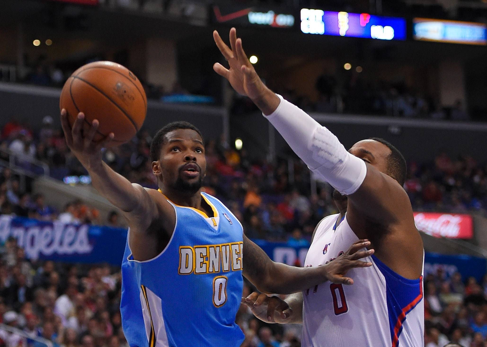 Point guard Aaron Brooks, who finished last season in Denver, averaging 11.9 points and 5.2 assists, has signed with the Bulls.