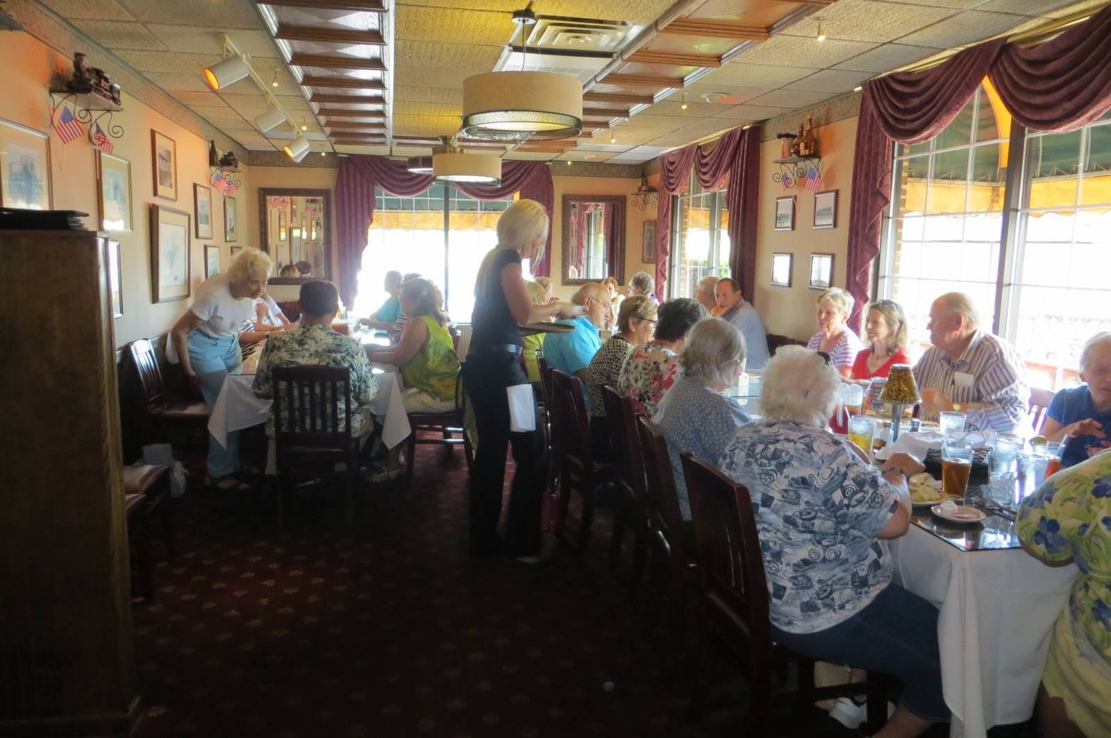 Des Plaines Garden Club members lunch at The Great Escape restaurant in Schiller Park July 10.