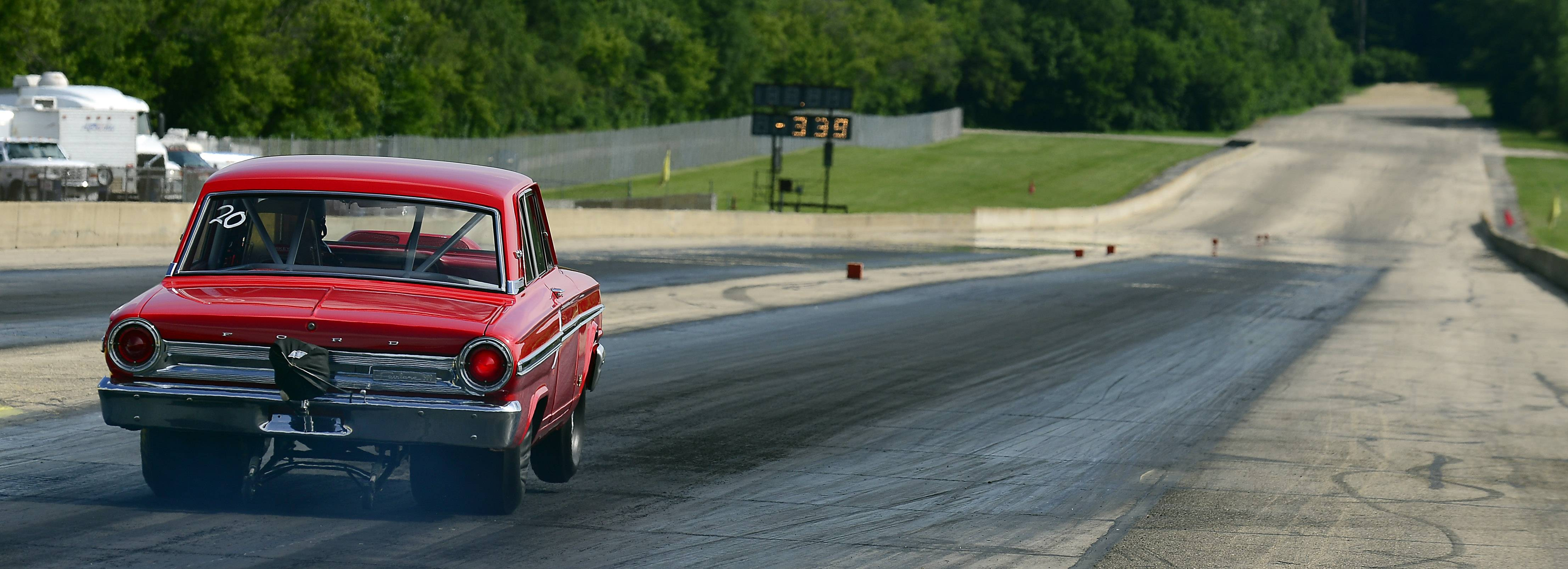 Jones burns rubber down the quarter-mile track at the Byron Dragway.