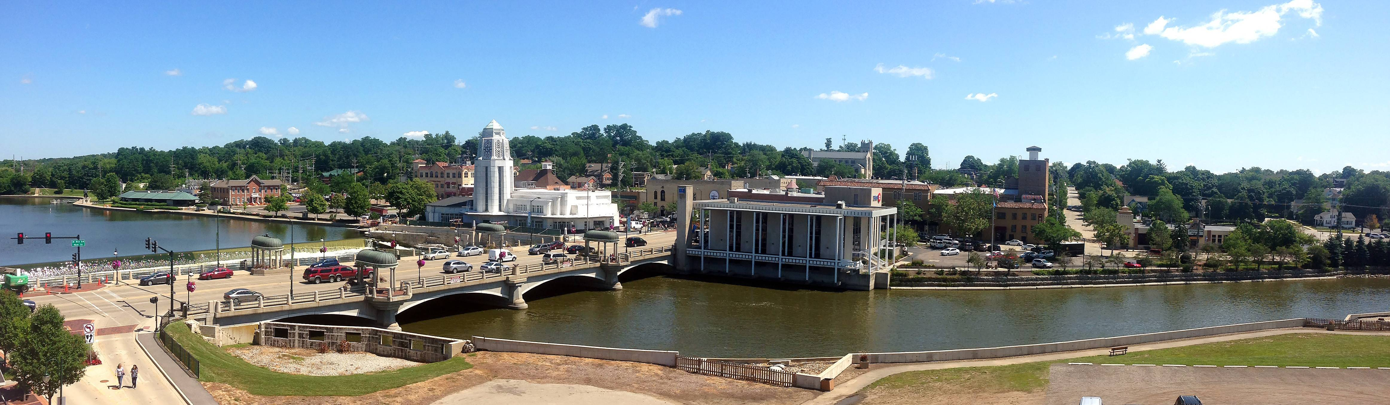 Picture this: The St. Charles Municipal Center and police station being removed to make way for sparkling riverfront retail locations and restaurants built as part of a riverwalk mecca with water taxis shuffling customers from location to location. That's just one suggestion sent to Dave Heun after he asked readers for ideas about what St. Charles' biggest headaches are.