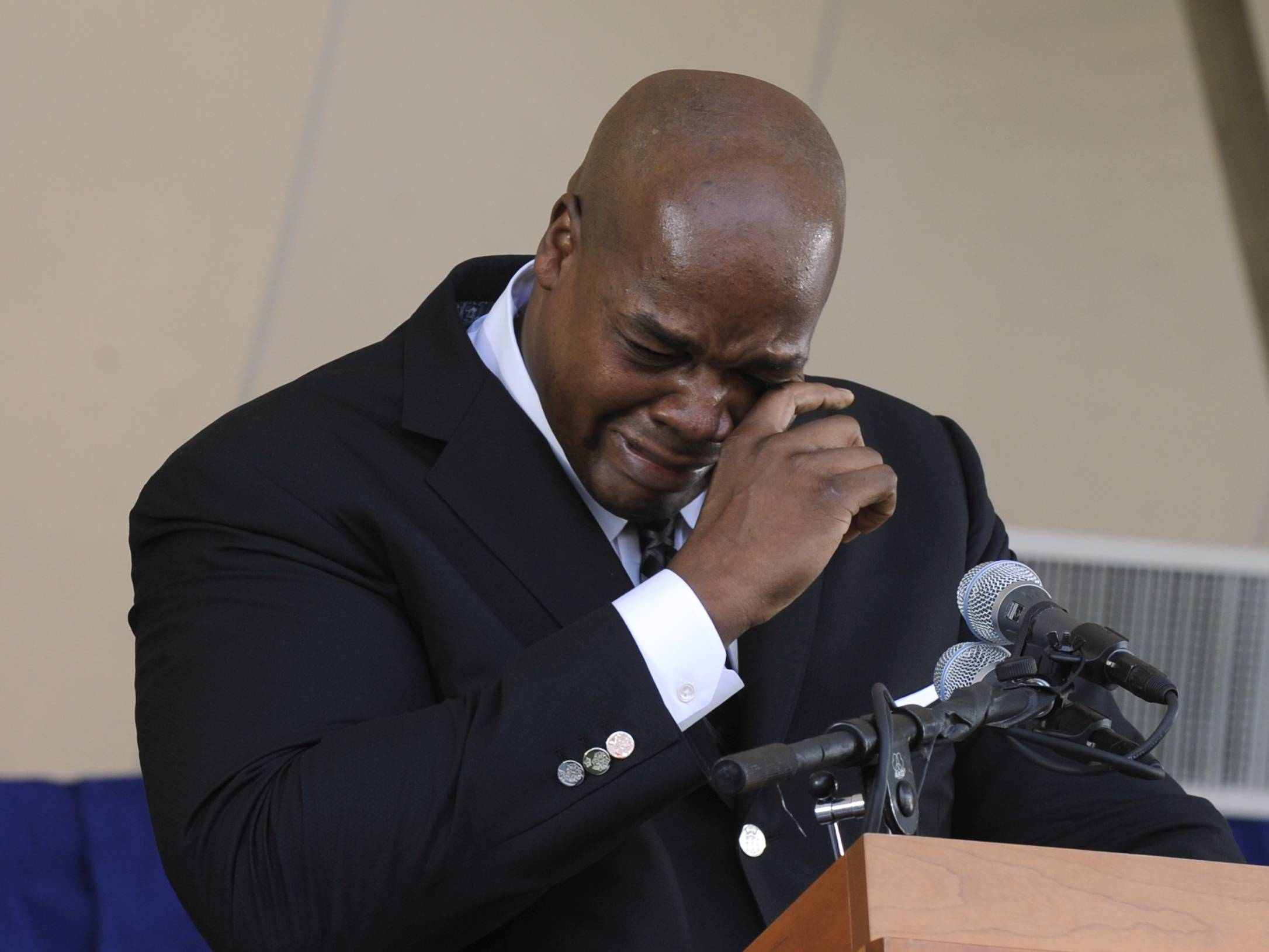 Frank Thomas spoke from the heart and stole the show Sunday during his emotional Hall of Fame induction speech.