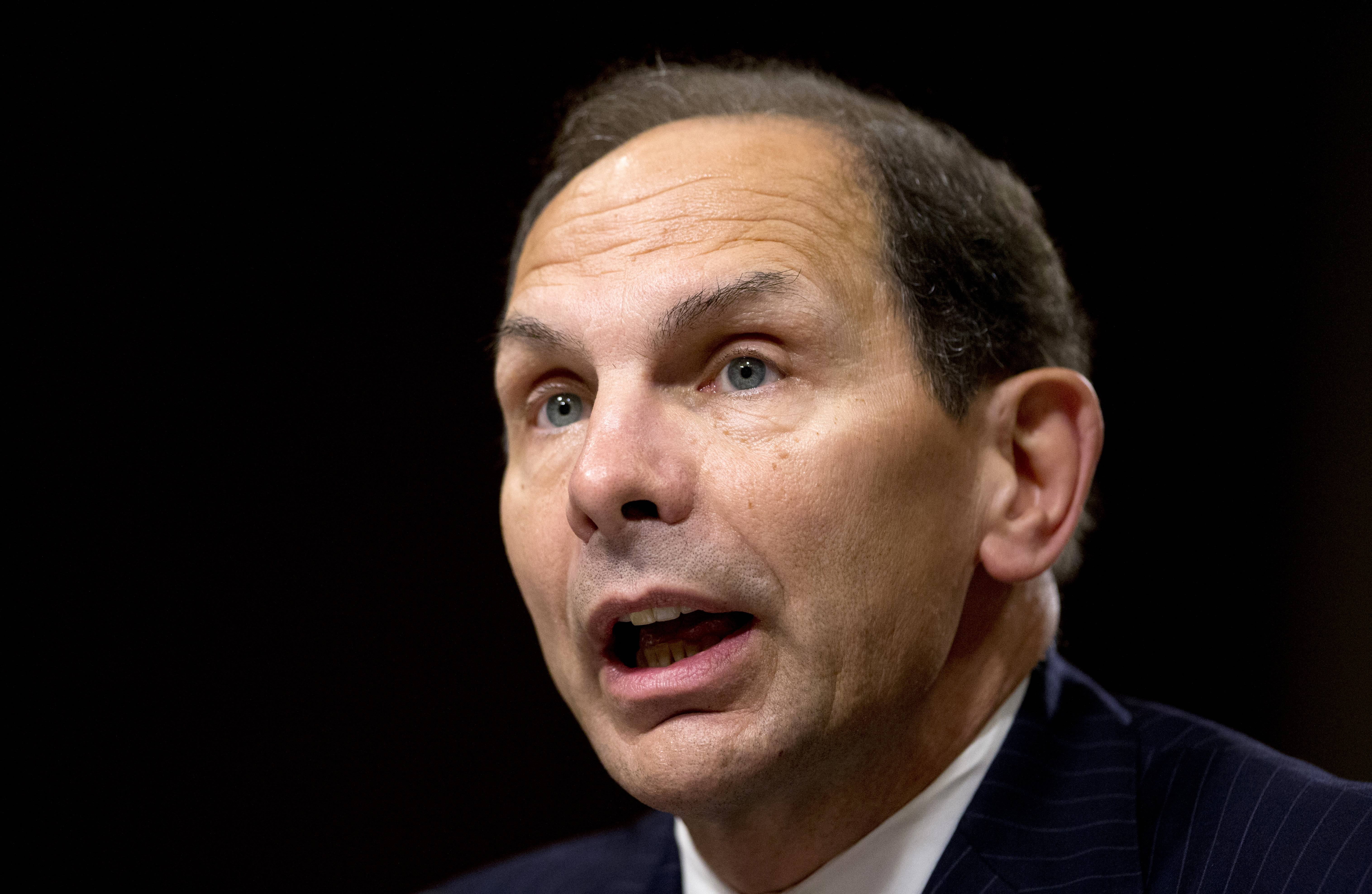 The Senate confirmed former Arlington Heights resident Robert McDonald as the next Veterans Affairs secretary Tuesday.