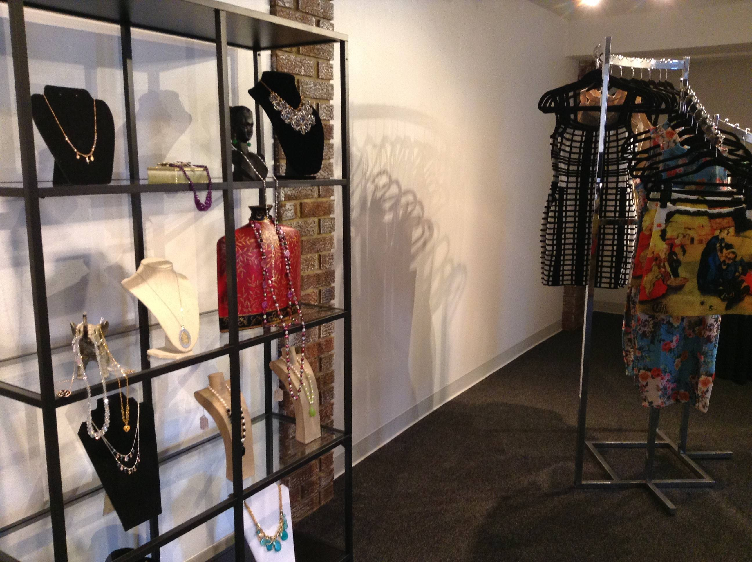 Glen Ellyn's new women's clothing and jewelry store, e & e aubé Designs, is located at 477 Forest Ave.