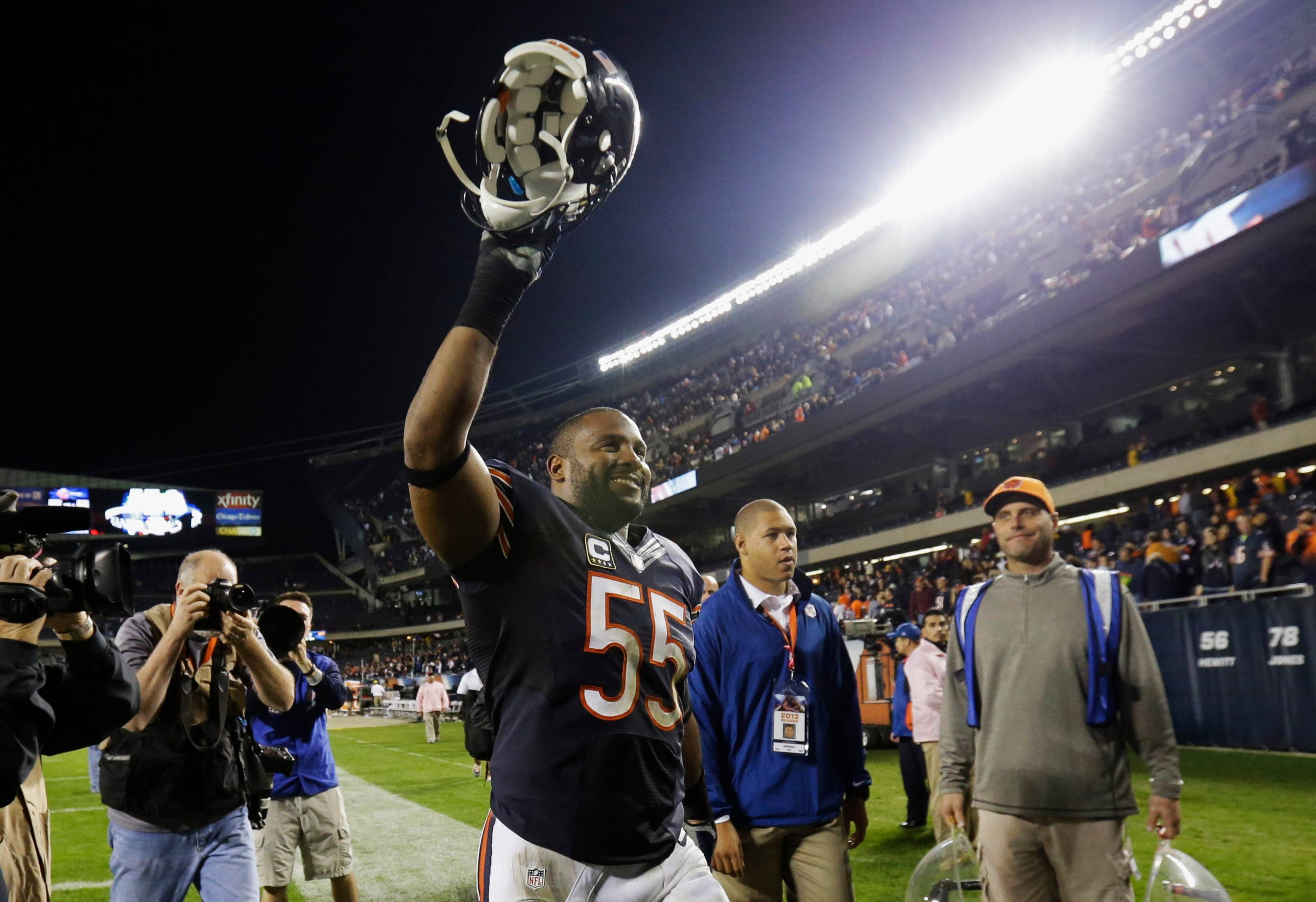 "Lance Briggs says he wants to retire as a Bear. Said Briggs: ""I've given my blood, sweat and tears, and my heart to this city playing for this team."""