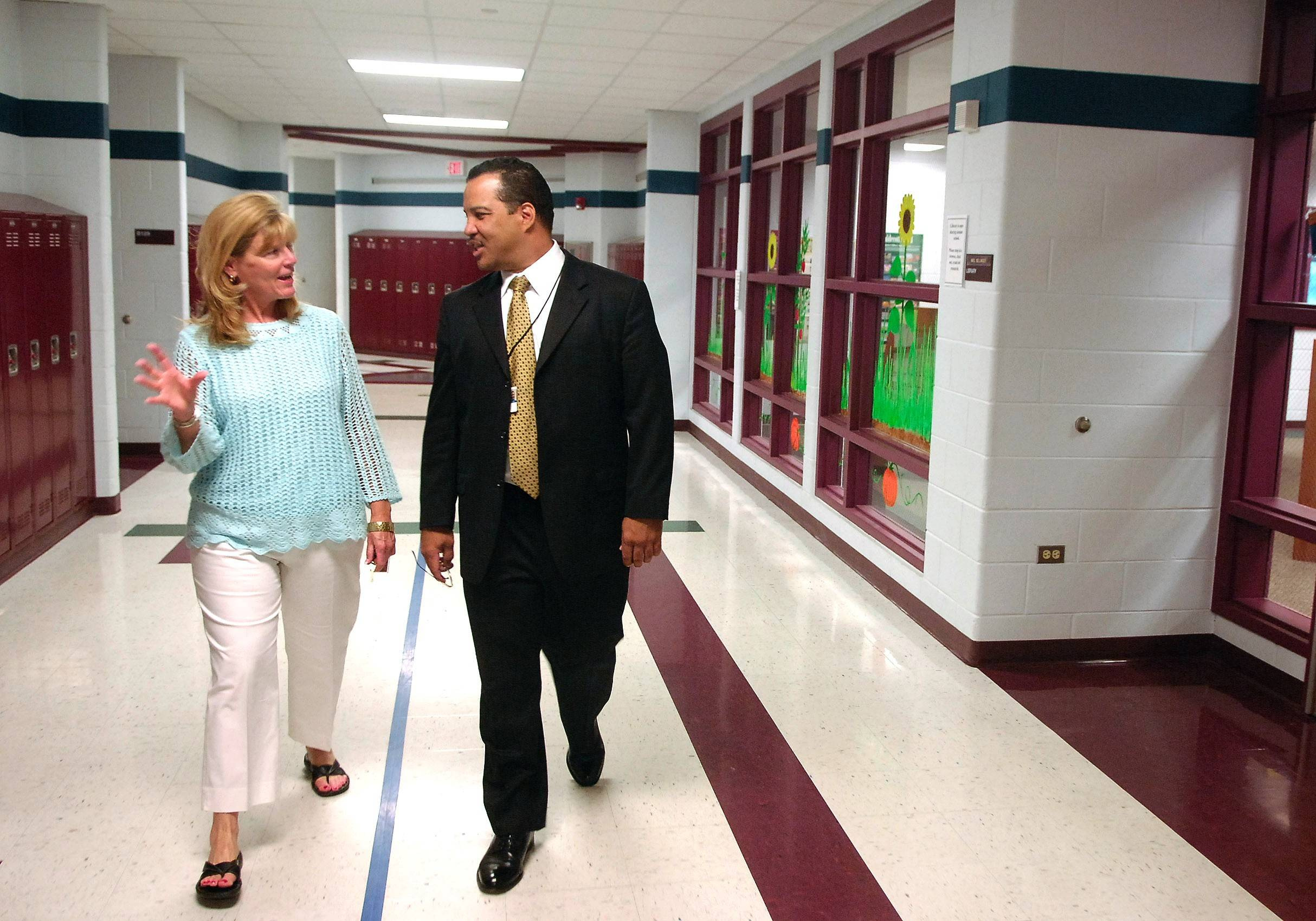 José Torres, shown on his first day as superintendent of Elgin Area School District U-46 six years ago, is leaving to lead the Illinois Mathematics and Science Academy in Aurora.
