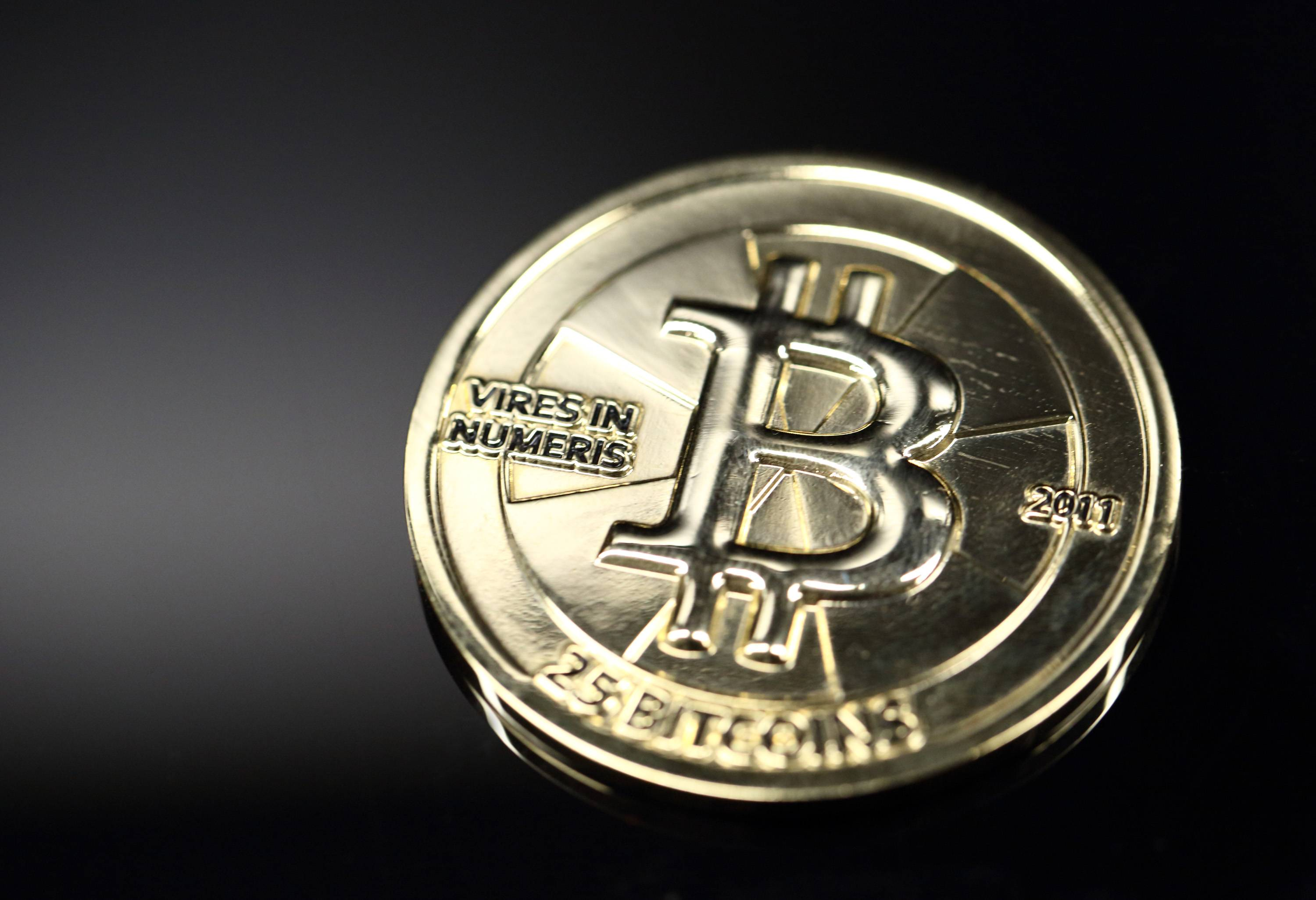 Tax-free trading of bitcoin faces a legal test at the Eean Union's top court after Swedish authorities sought to extend existing levies to virtual currencies.