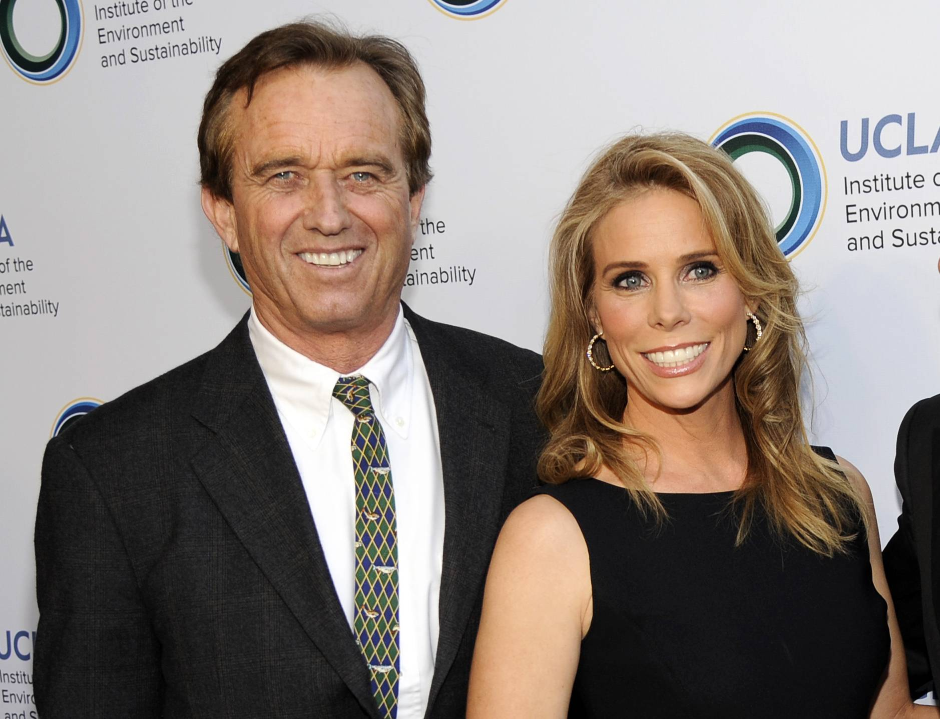 Cheryl Hines and Robert F. Kennedy Jr. wed Saturday at the Kennedy compound in Hyannis Port, Mass.