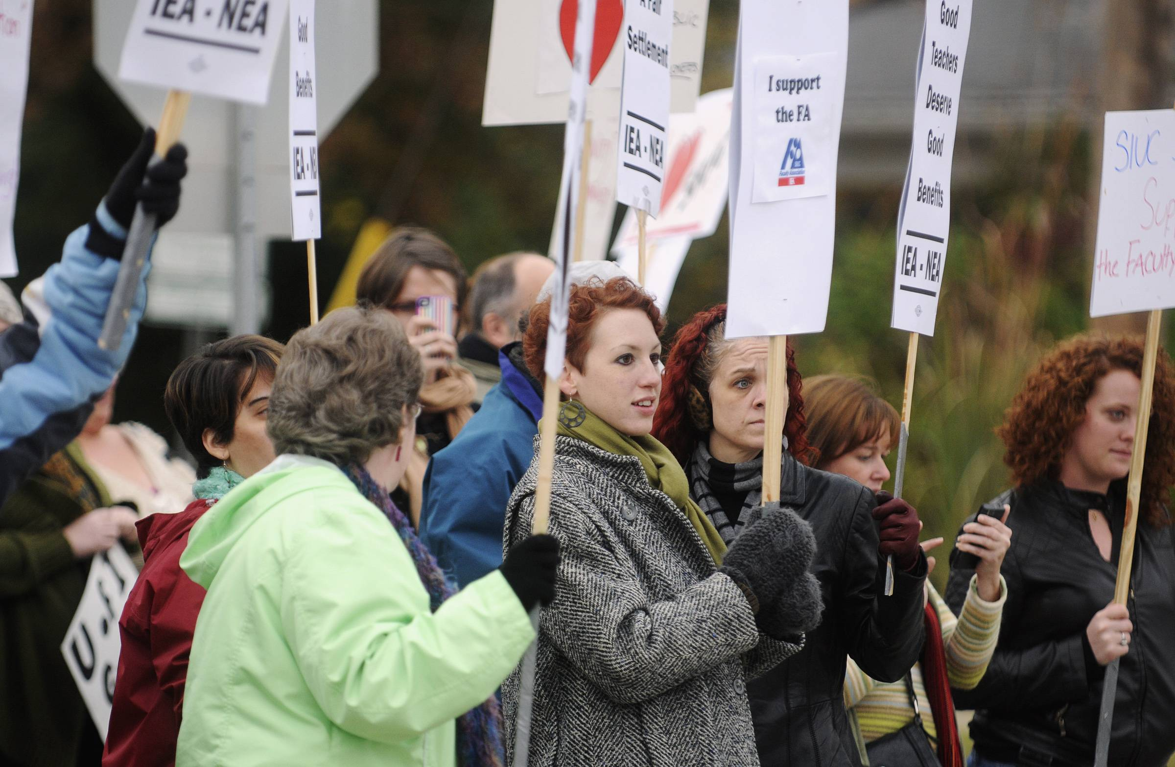 Southern Illinois University Faculty Association members and supporters picket on Nov. 4, 2011, in Carbondale.