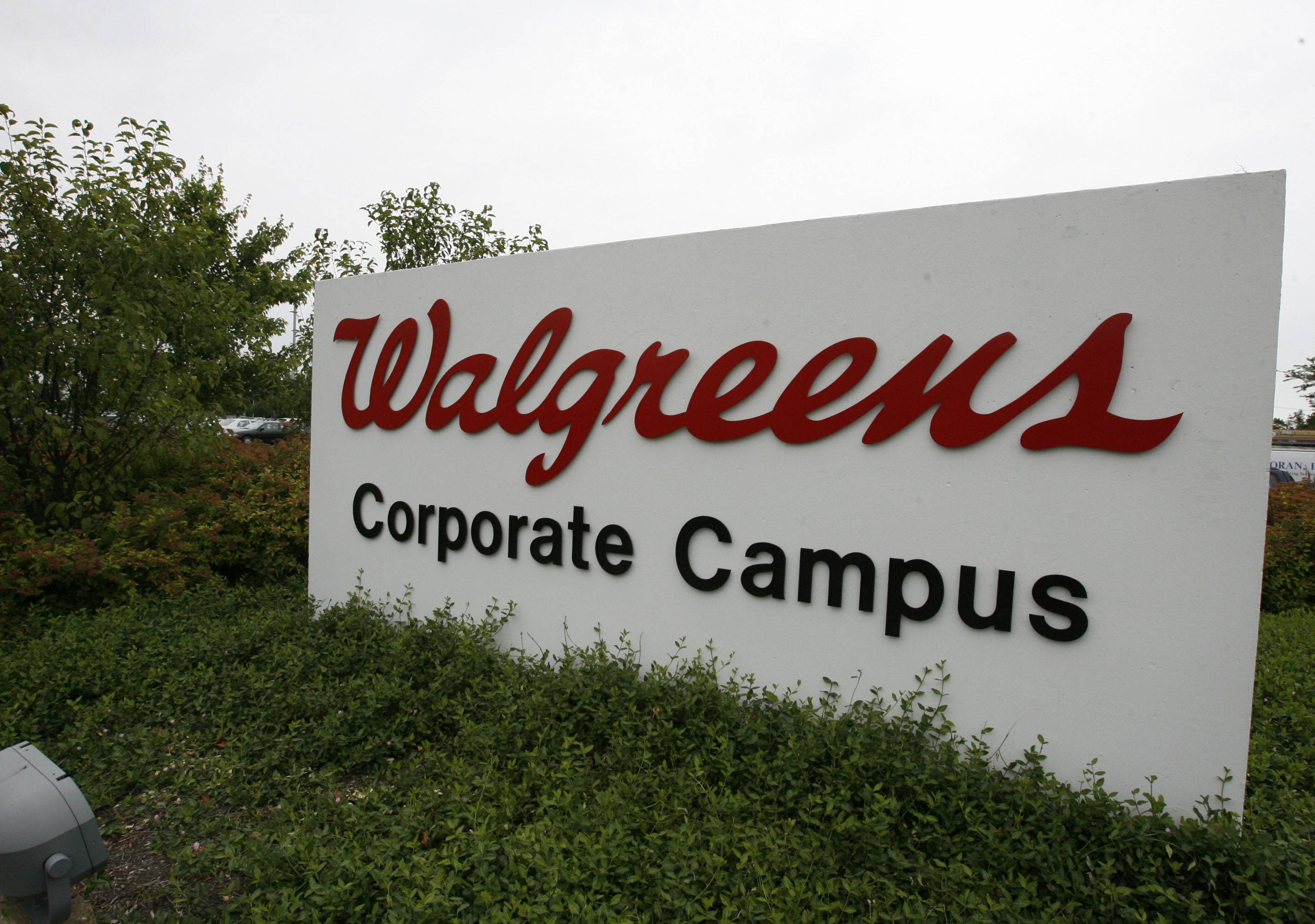 Walgreens headquarters will remain in Deerfield.