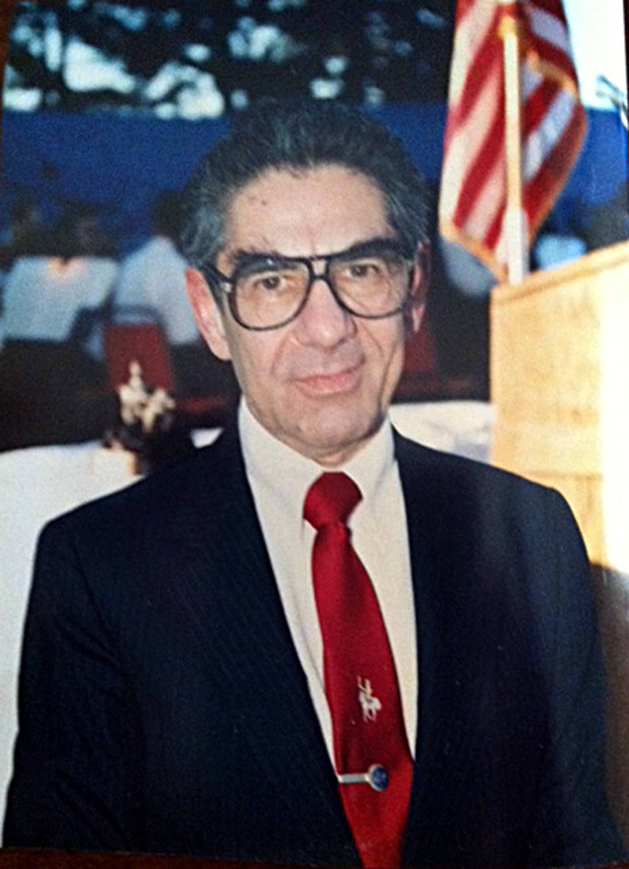 Associated Press/Courtesy Steinfeld familyFormer U.S. Surgeon General Jesse Steinfeld, who became the first surgeon general ever forced out of office by the president after campaigning against the dangers of smoking during the Richard Nixon era, has died in Southern California. He was 87.