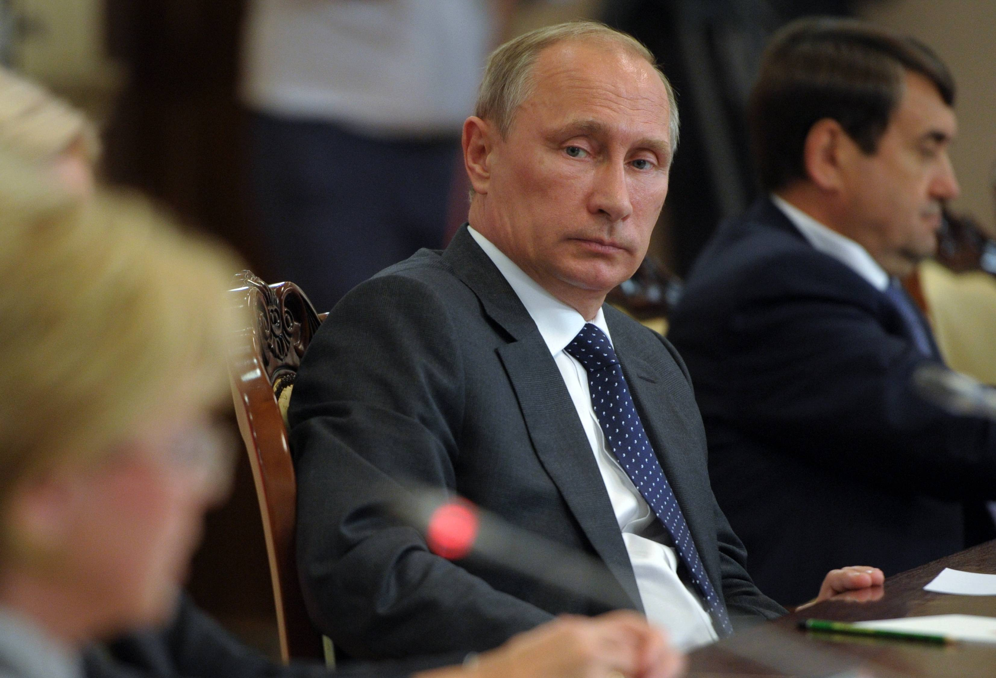 Putin orders import limits over sanctions