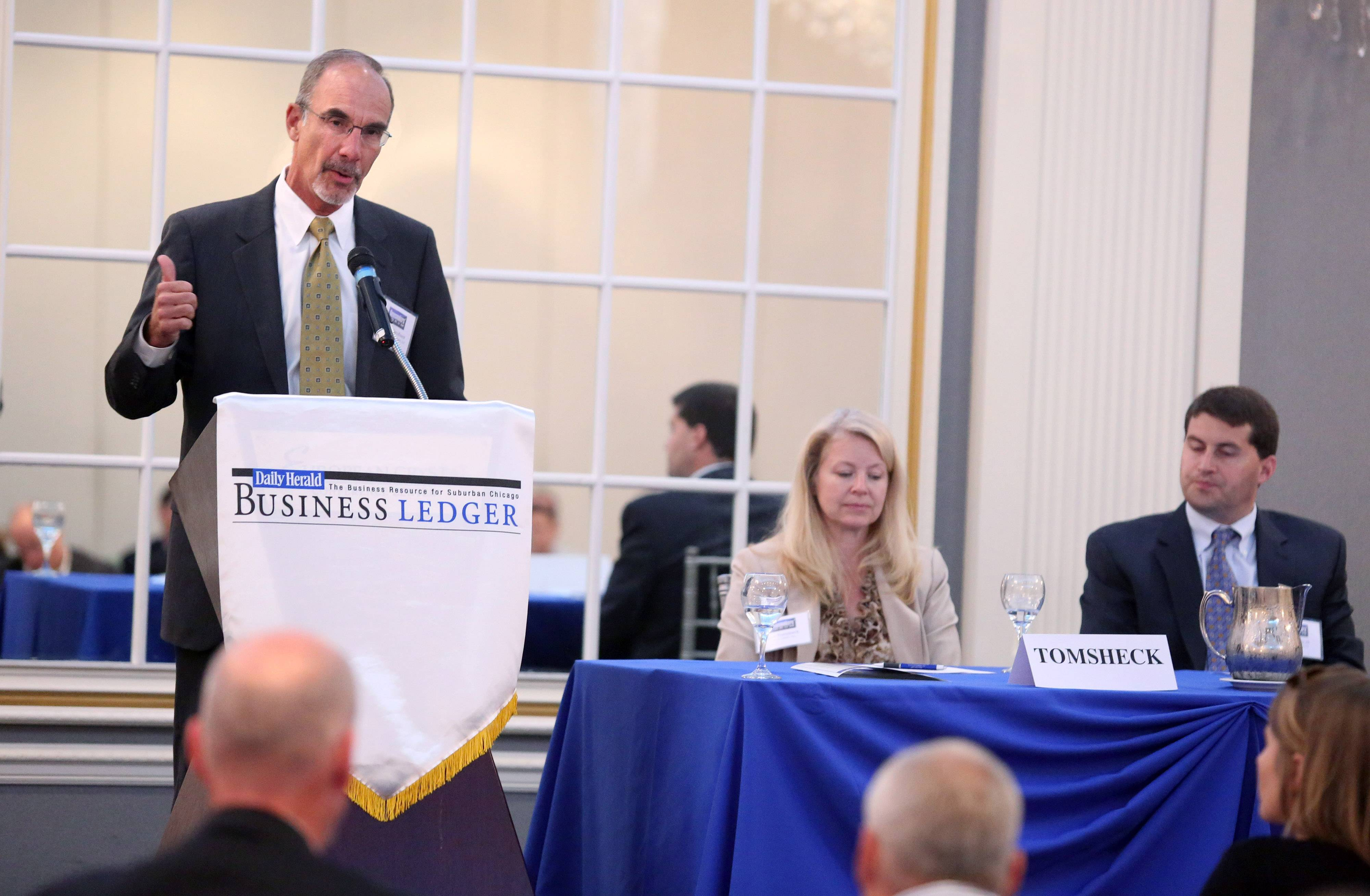 Warren Jacobsen, president and founder of Horizon Capital Advisors, speaks at the Daily Herald Business Ledger Newsmakers' Forum on Family Business Thursday at European Crystal Banquets in Arlington Heights.