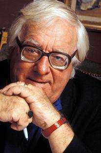 Bradbury fans want a statue of the late author in Waukegan
