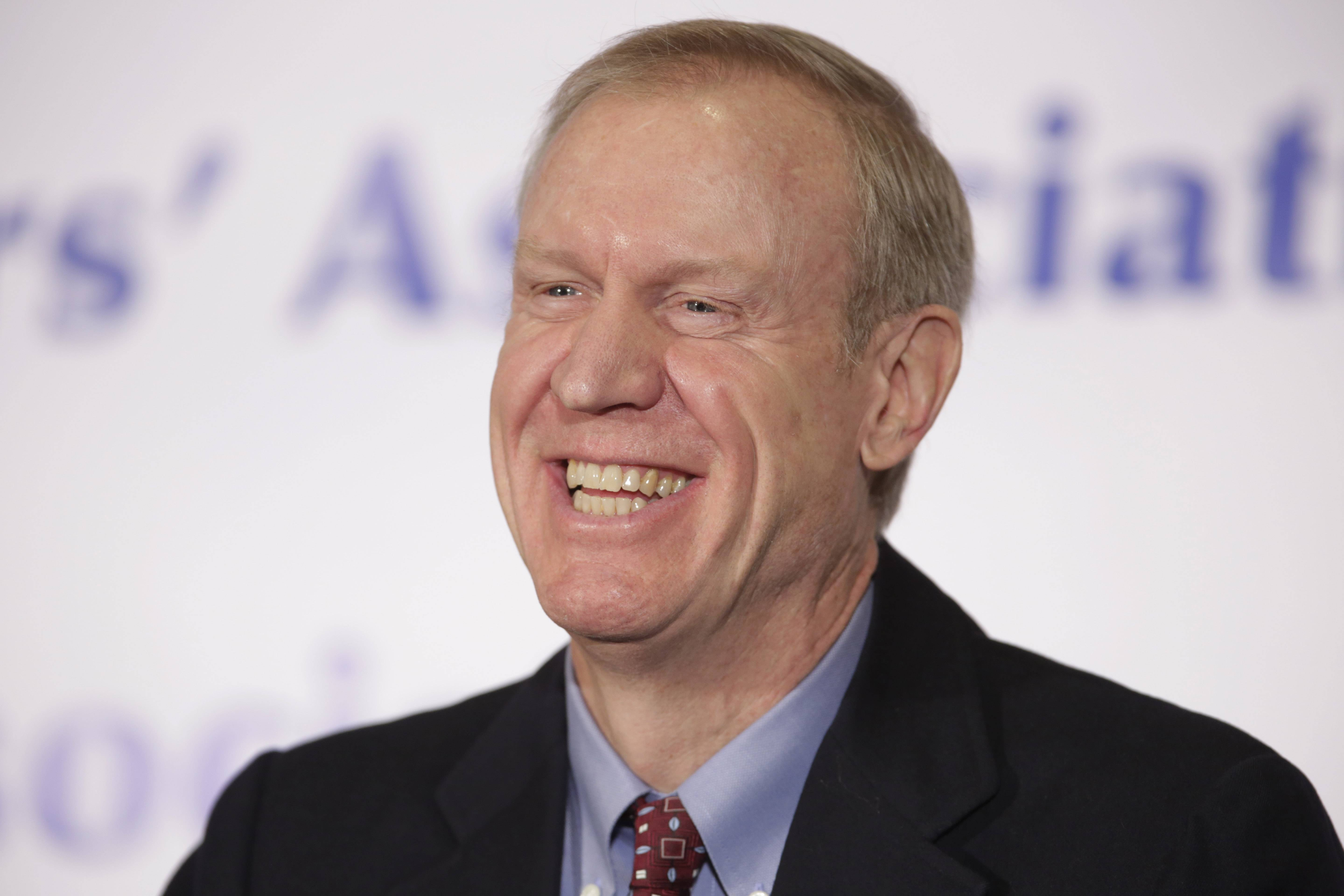 Republican Bruce Rauner's campaign called Gov. Pat Quinn out Friday for hiring issues at IDOT.
