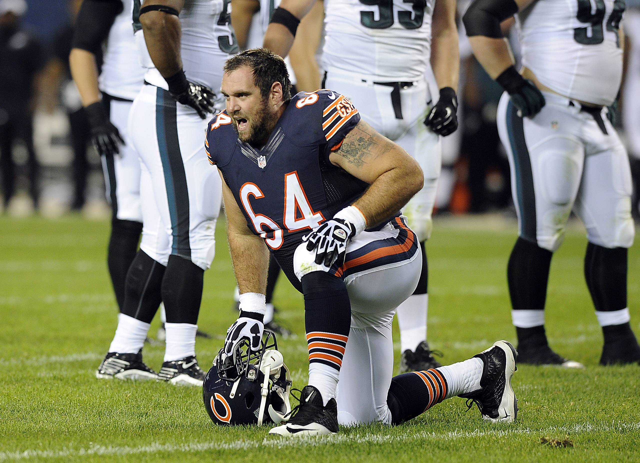 Chicago Bears Brian de la Puente is out of the game against Philadelphia with a knee injury.