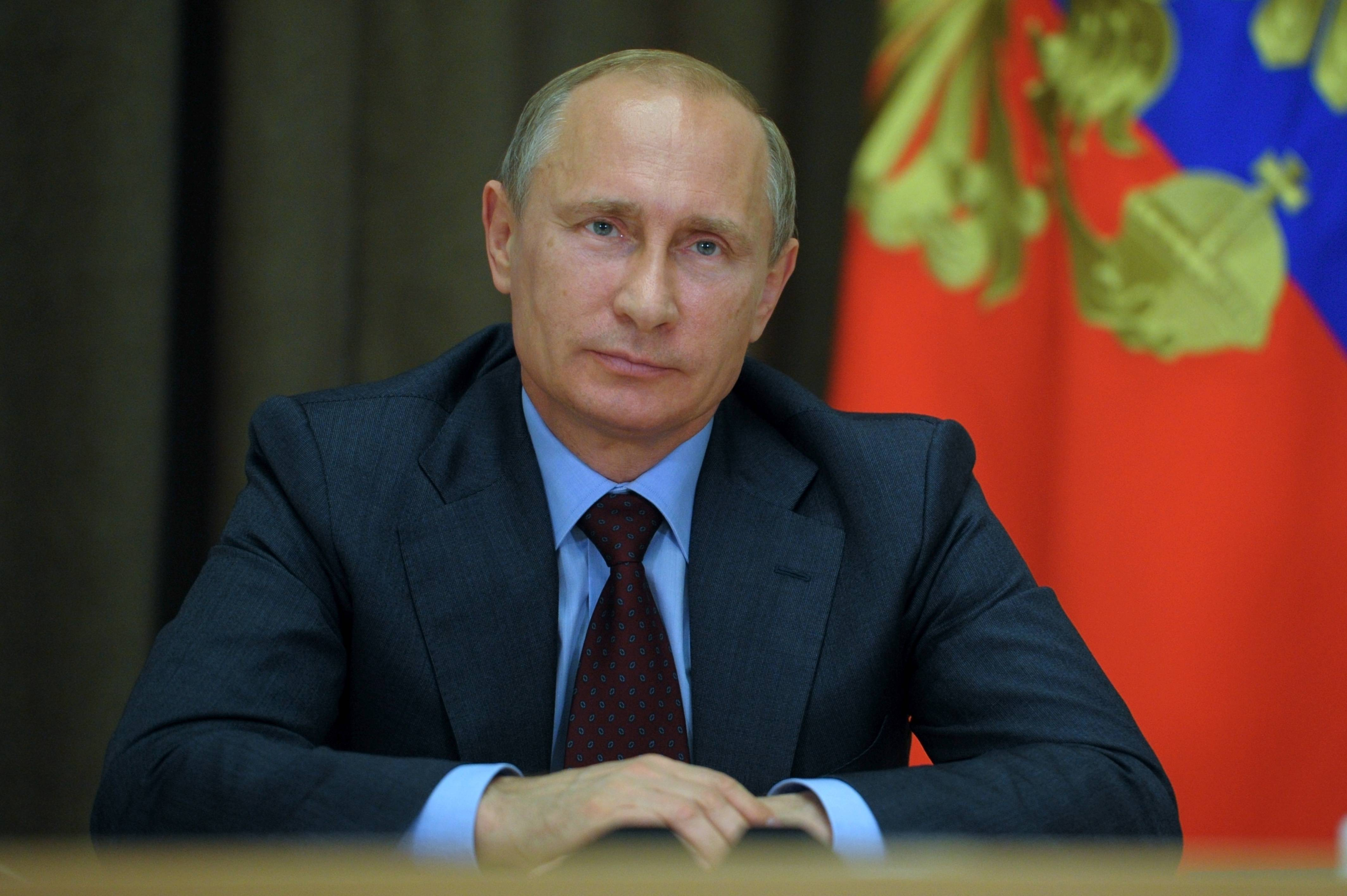 Putin denies companies cash they can't get abroad
