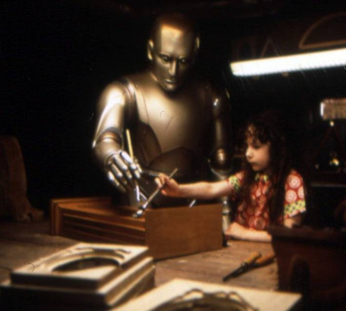 "Robin Williams takes a more robotic approach in ""Bicentennial Man."""