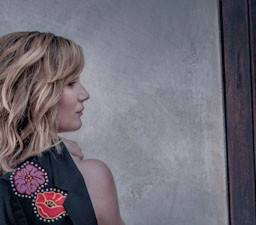 Jennifer Nettles, lead singer for Sugarland, brings her solo That Girl tour to RiverEdge Park on Friday, Aug. 29.