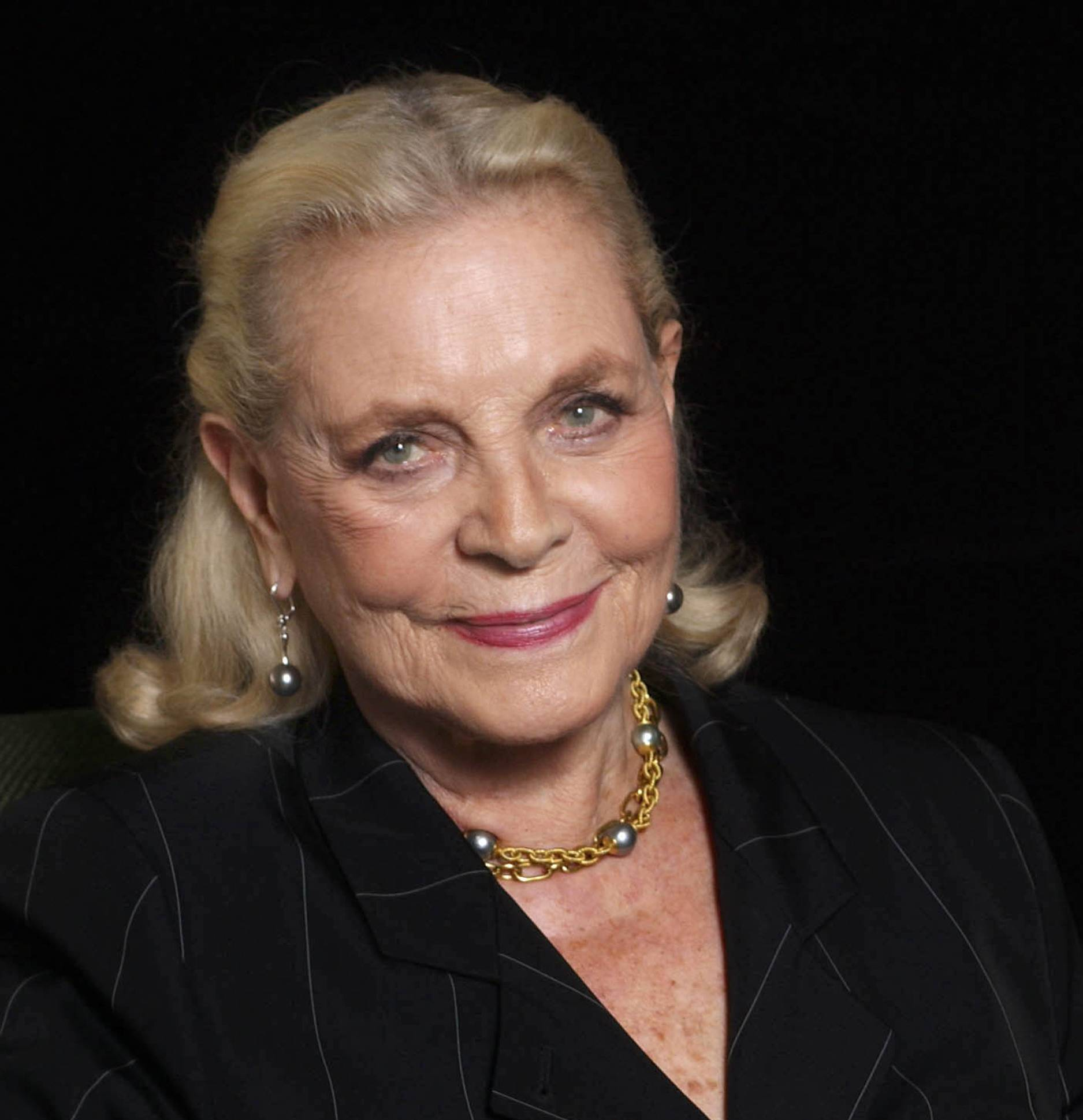 Screen, stage actress Lauren Bacall dies at 89
