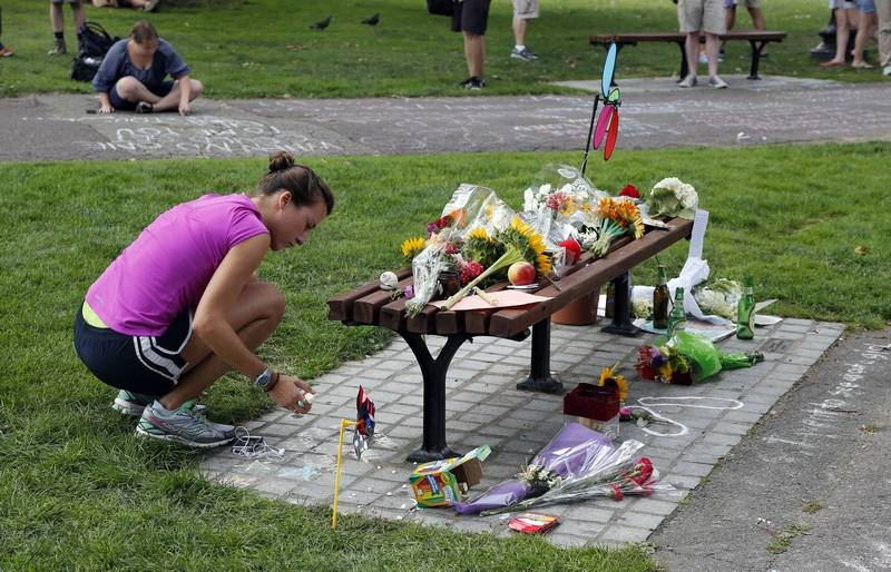 Fans leave williams tributes at boston park bench for The garden designer robin williams