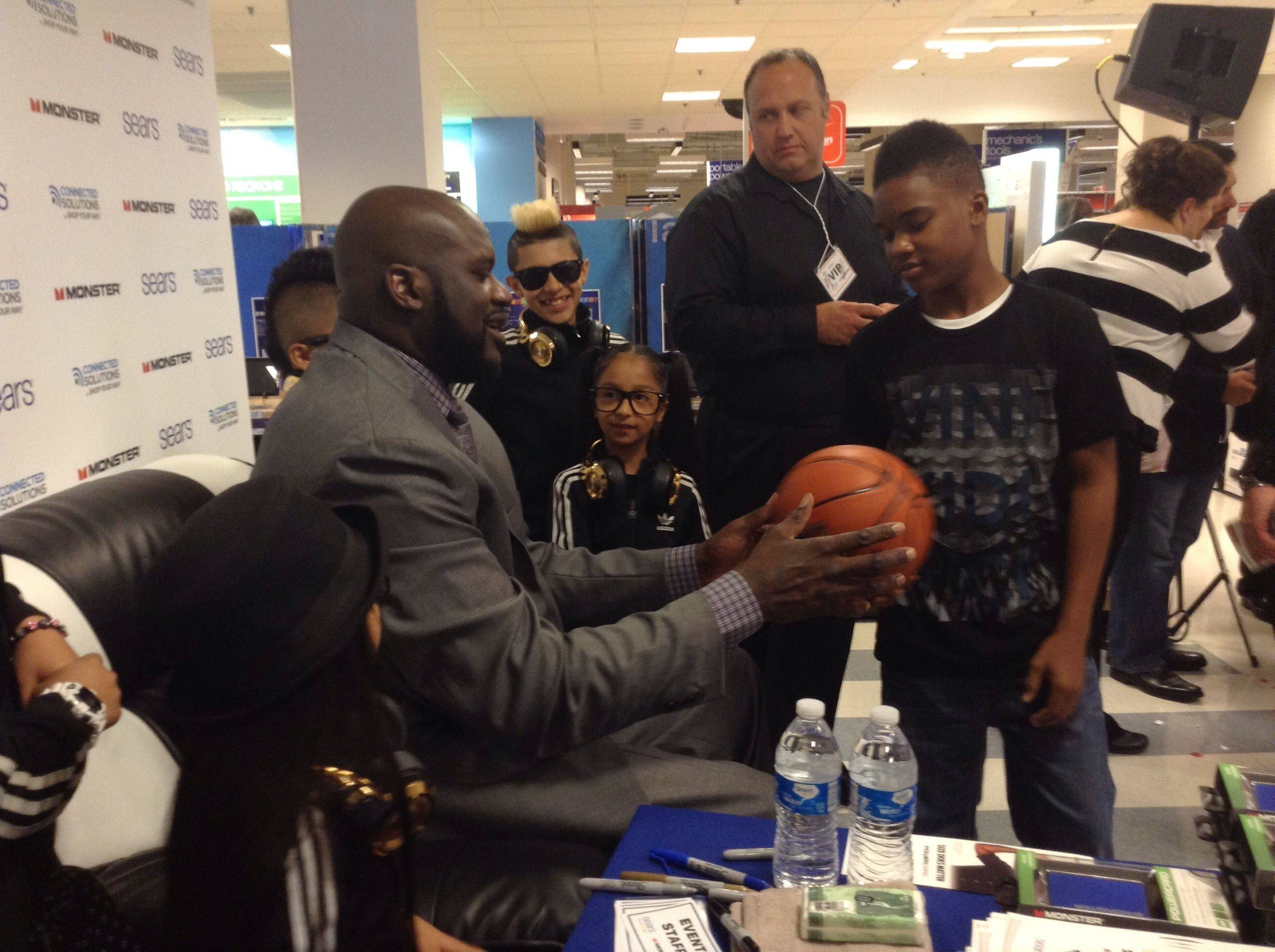 Former NBA all-star and four-time league champion Shaquille O'Neal greeted fans Wednesday at the Sears store in Woodfield Mall.