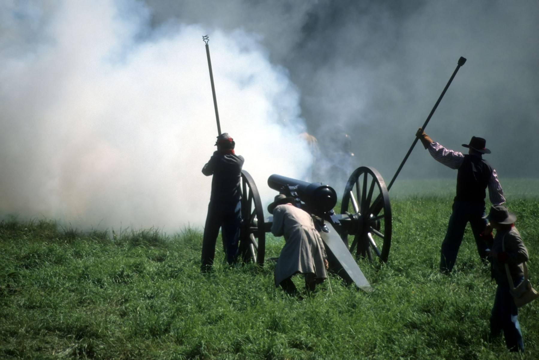 "Civil War Days — this weekend at Blackberry Farm — will feature dozens of re-enactments, including live battle scenes and a chance to ""Meet the Lincolns."""