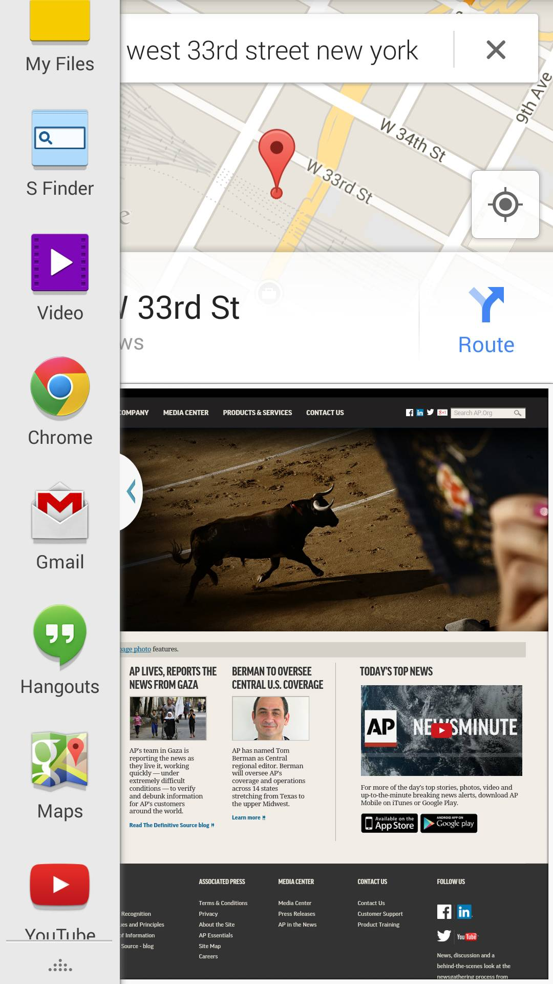 This screen shot taken from a Samsung Galaxy S5 demonstrates the device's Multi-Window function, which lets you run multiple apps side by side.