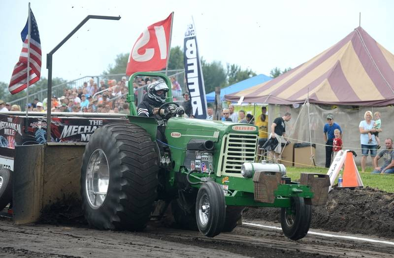 880 Ford Tractors : Elburn days festival features new events old favorites