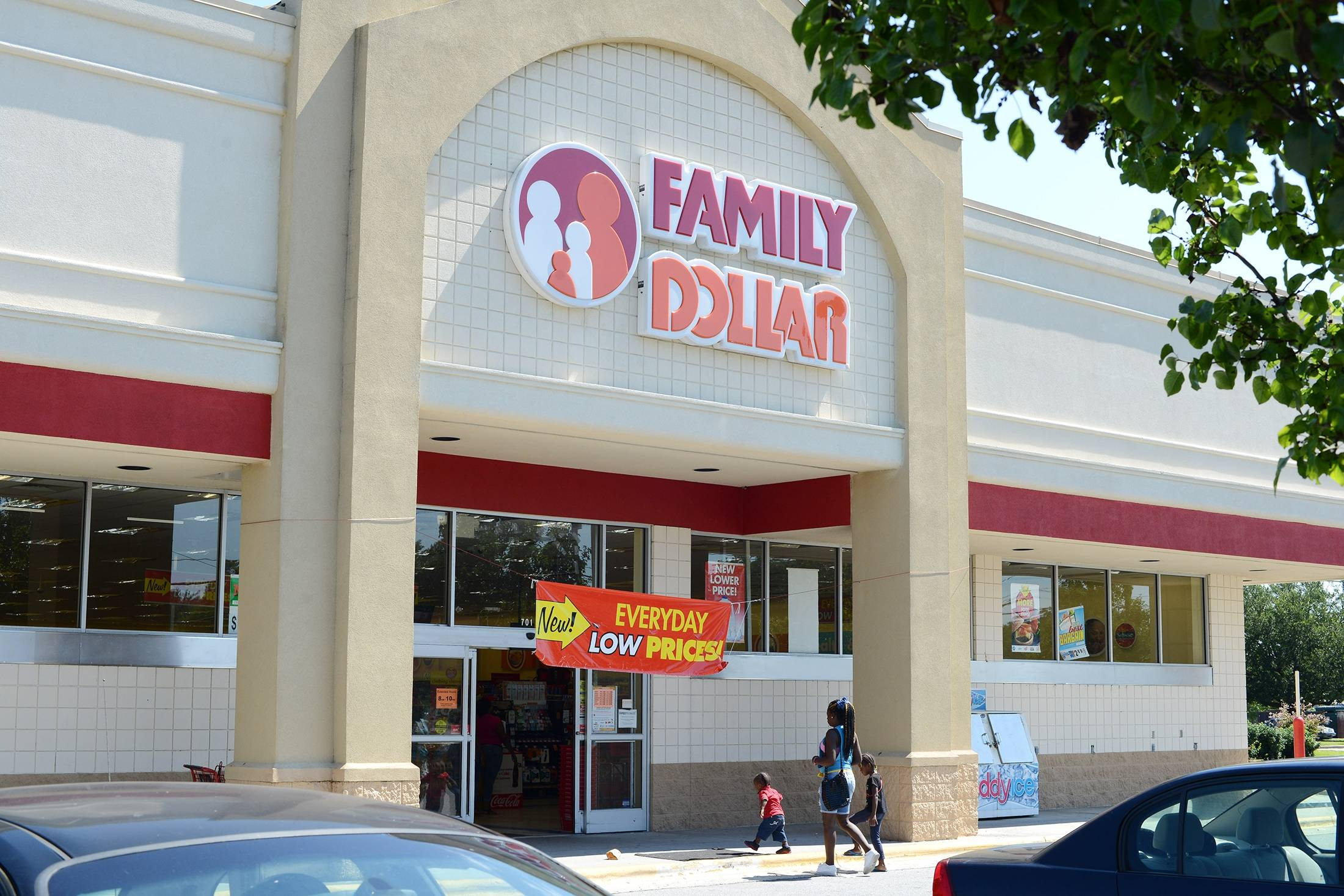 Dollar General Corp. said Monday that it would pay $78.50 per share in cash, 3 percent higher than Family Dollar Stores Inc.'s Friday closing price of $76.06. Dollar General put the deal's value at $9.7 billion.