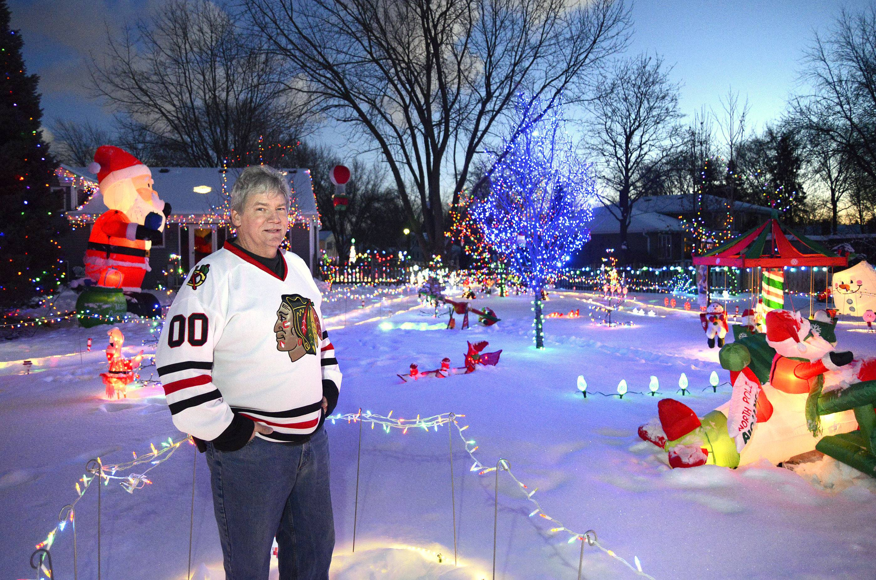 Batavia 1st Ward Alderman Garran Sparks, who is also known for his lavish display of Christmas lights, announced Monday he is resigning because he is moving to North Aurora.