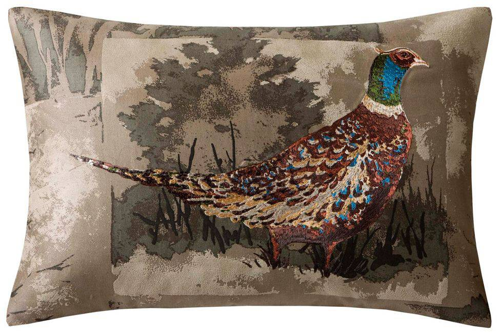 Woolrich's Hadley collection of throw pillows features painterly prints of pheasants, stags and dogs on Berber fabric.