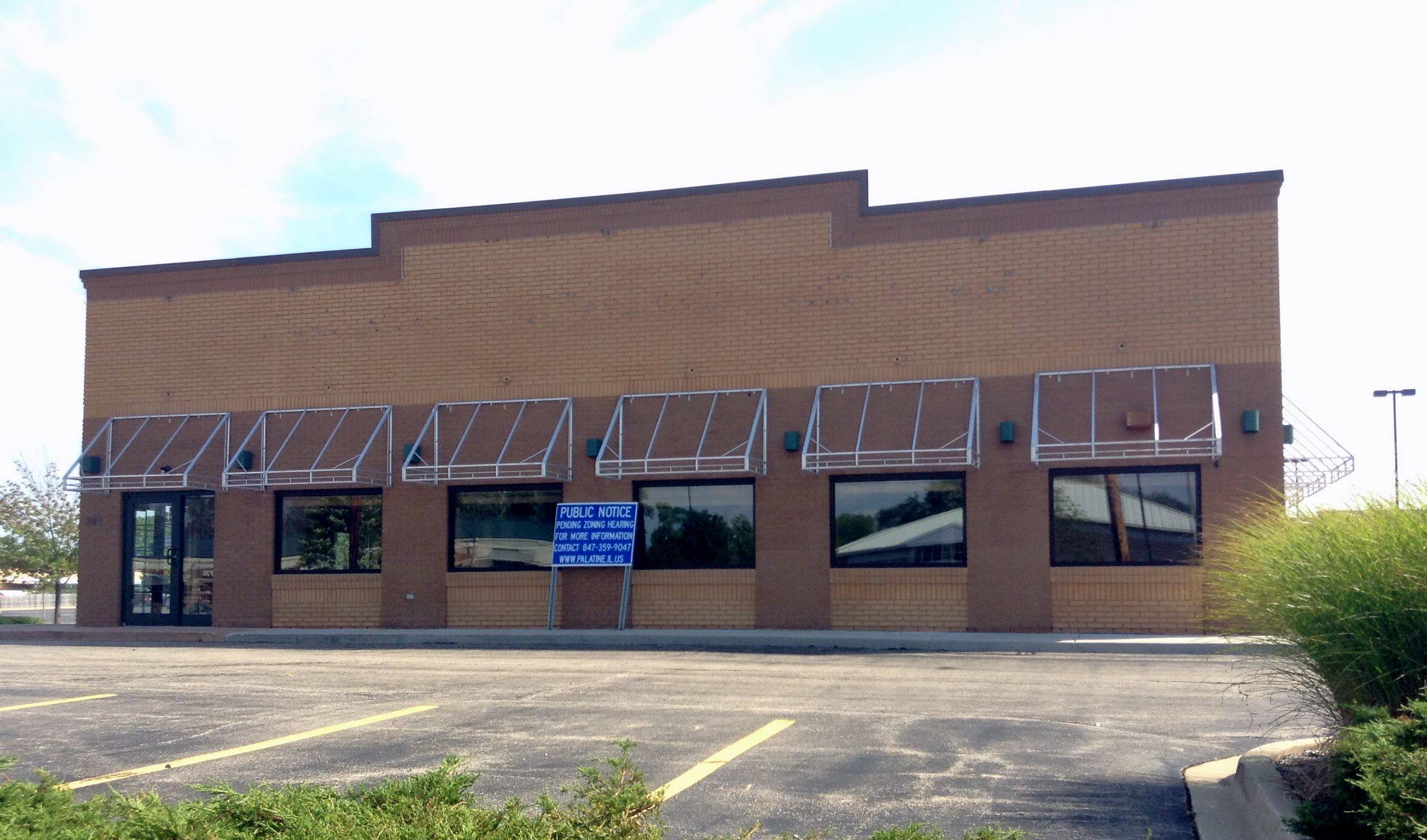 The former Applebee's restaurant at 781 E. Dundee Road in Palatine will be demolished to make way for a new building that will house a Chipotle Mexican Grill, a Jersey Mike's Subs, a Starbucks with a drive-through lane and other businesses.