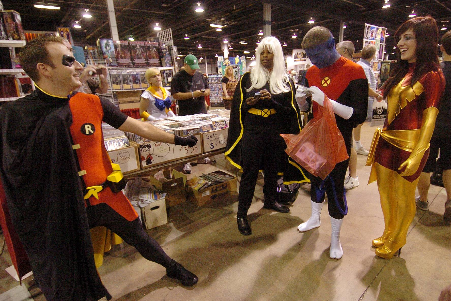 Many fans bring out their costumes for the annual Chicago Comic Con in Rosemont.