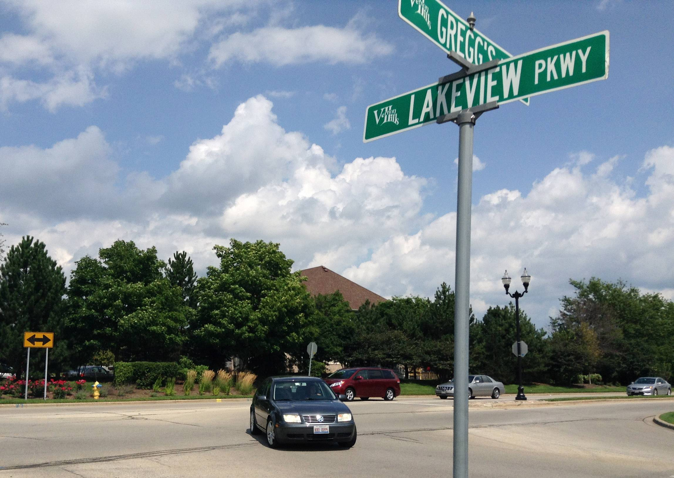 Traffic signal to be installed on Gregg's Parkway in Vernon Hills
