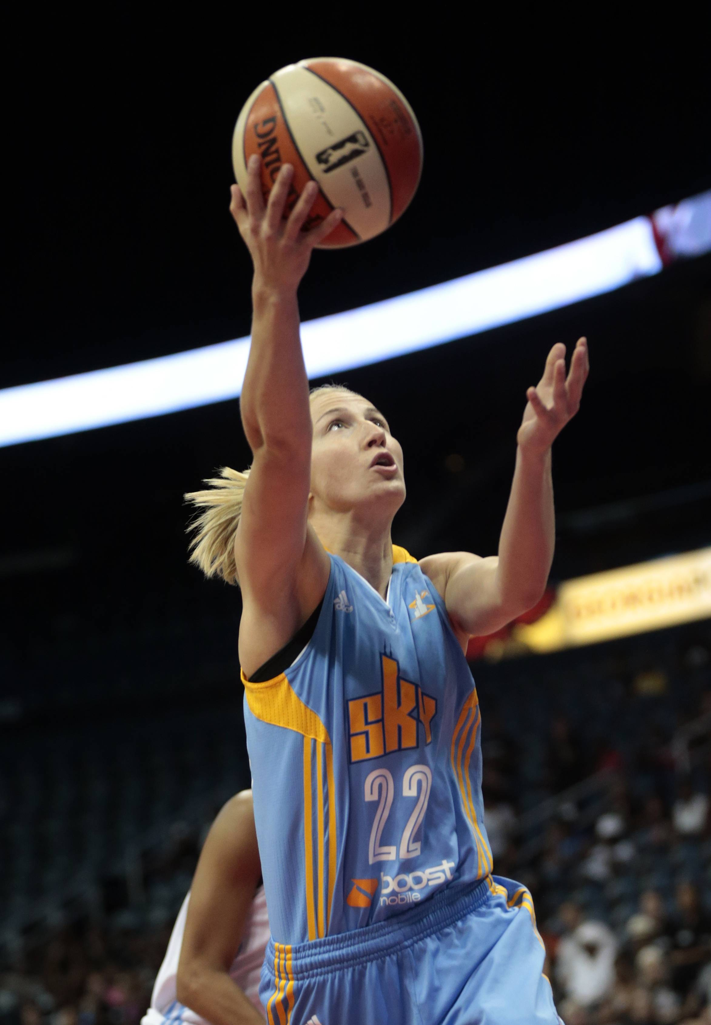 Chicago Sky guard Courtney Vandersloot (22) goes up for a shot against the Atlanta Dream during Game 1 of the WNBA basketball Eastern Conference semifinals Friday in Atlanta.