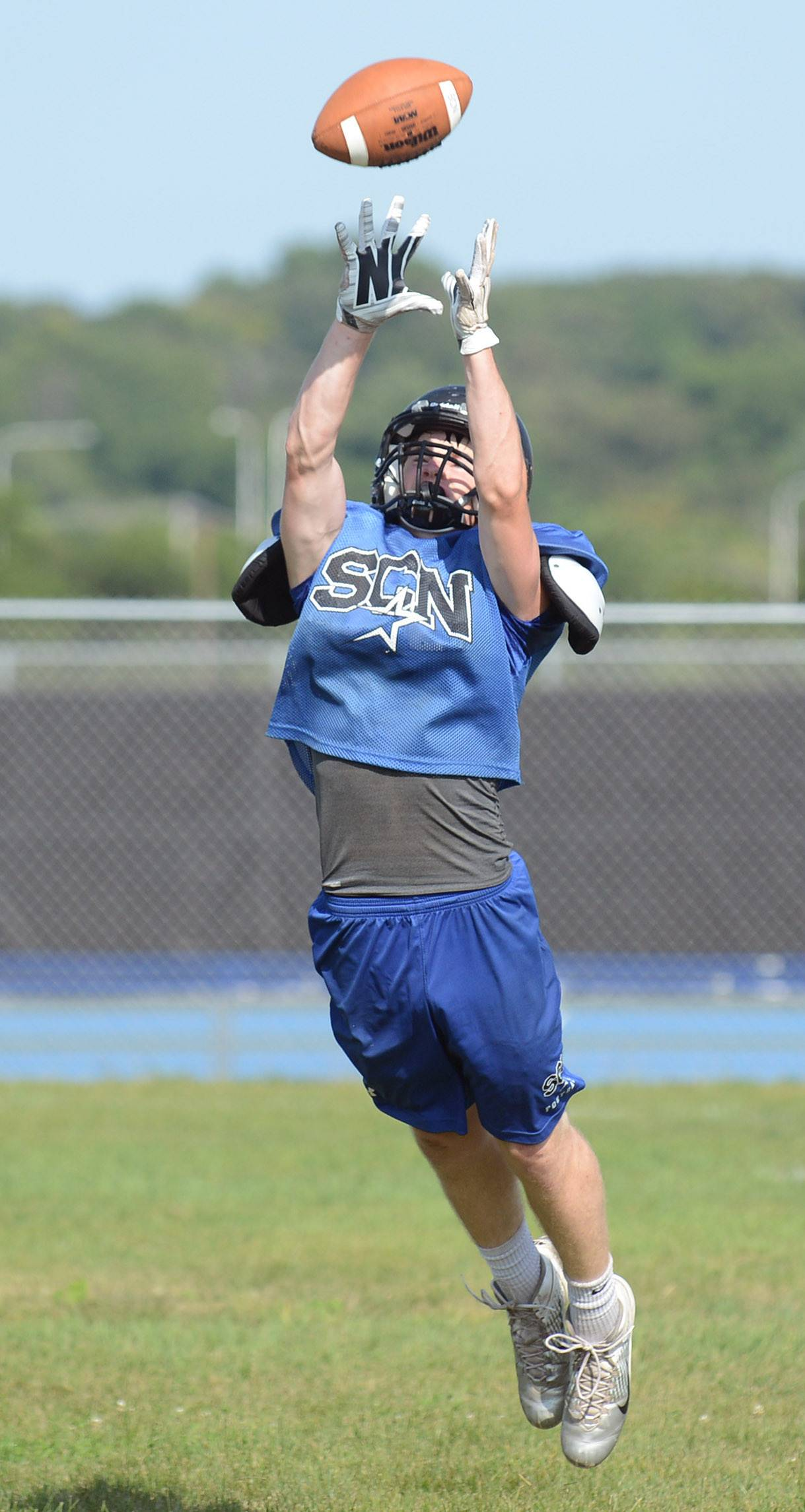 Laura Stoecker/lstoecker@dailyherald.comSt. Charles North junior Brendan Joyce during varsity football practice on Friday.