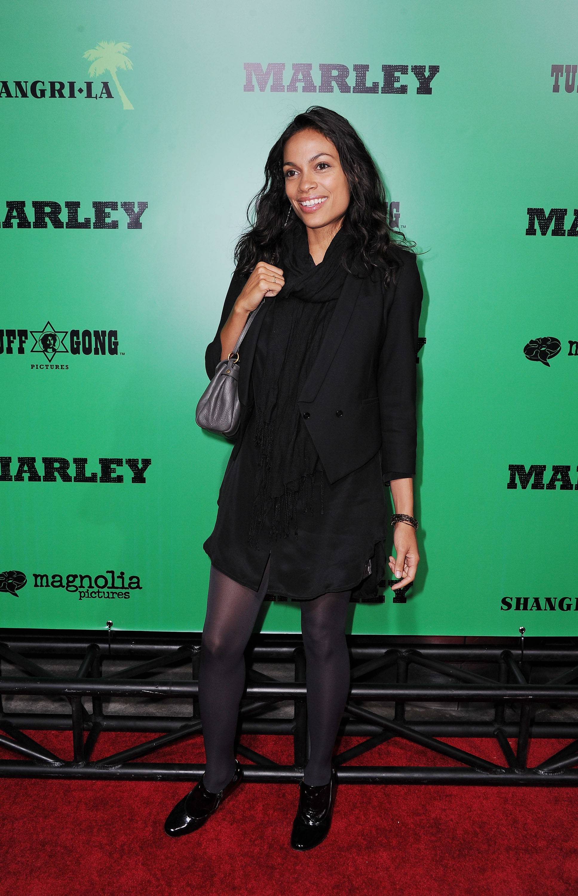 Rosario Dawson will sign autographs at the Hollywood Palms in Naperville.