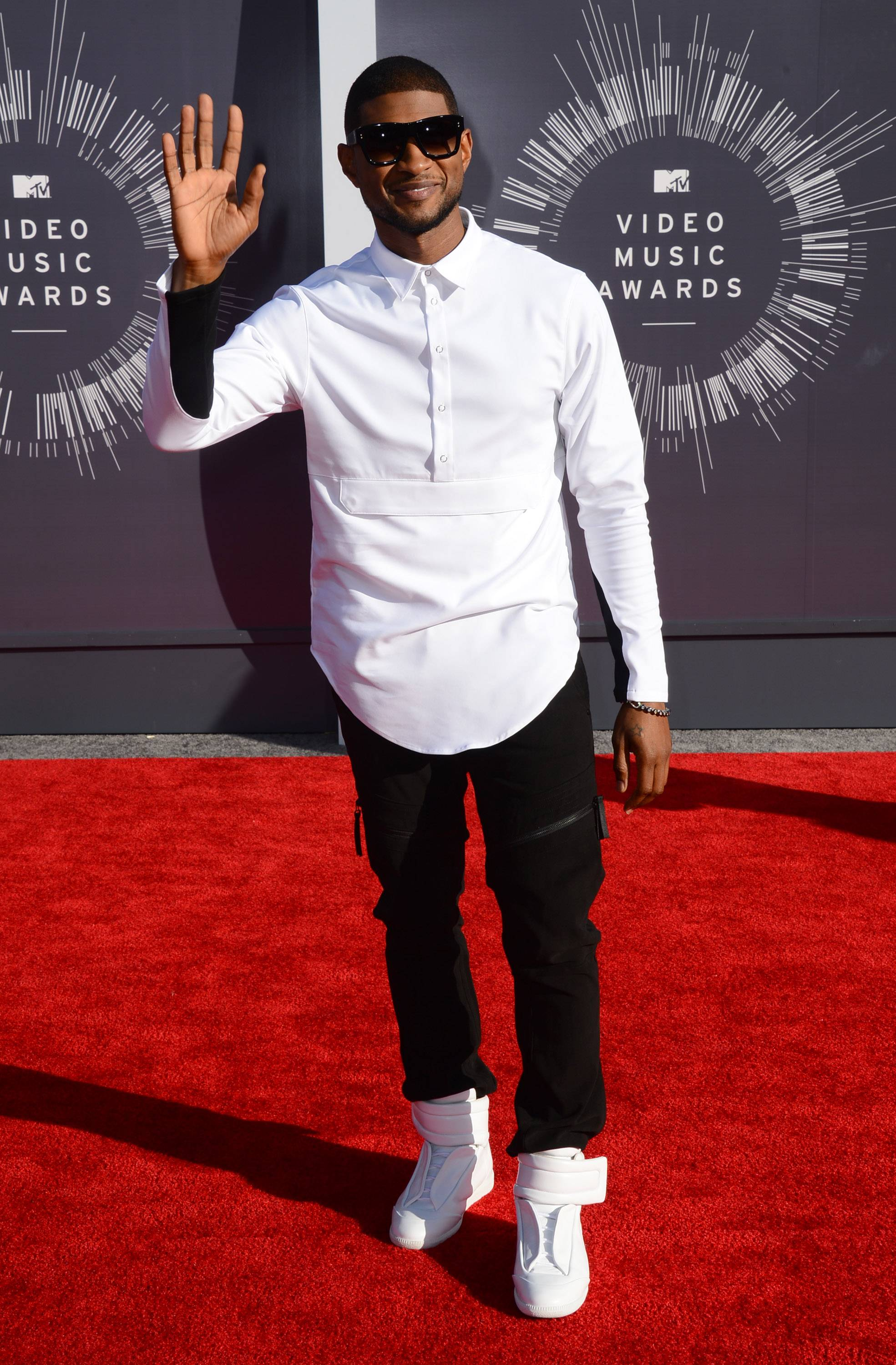 Usher arrives at the MTV Video Music Awards,