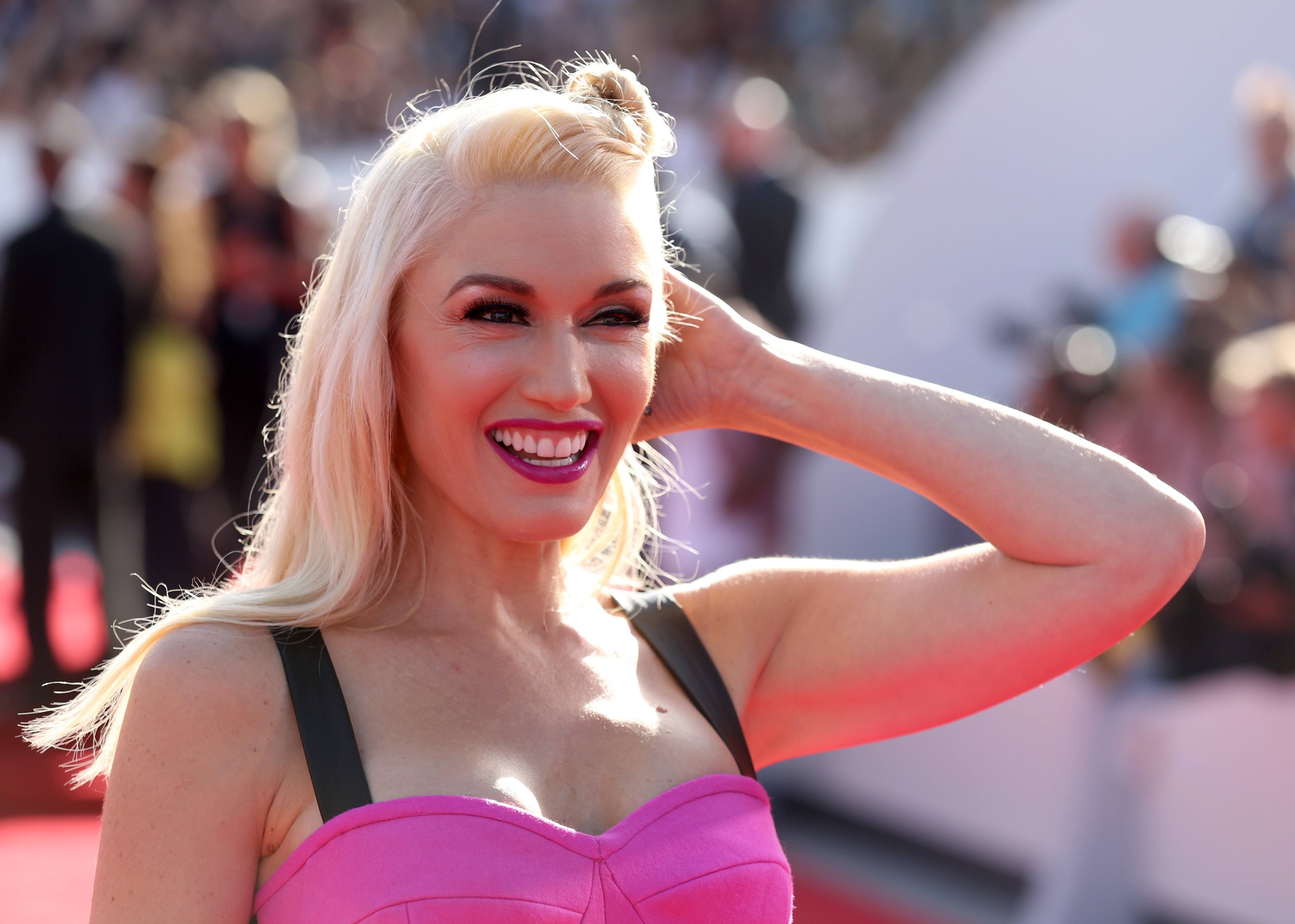 Gwen Stefani arrives at the MTV Video Music Awards.