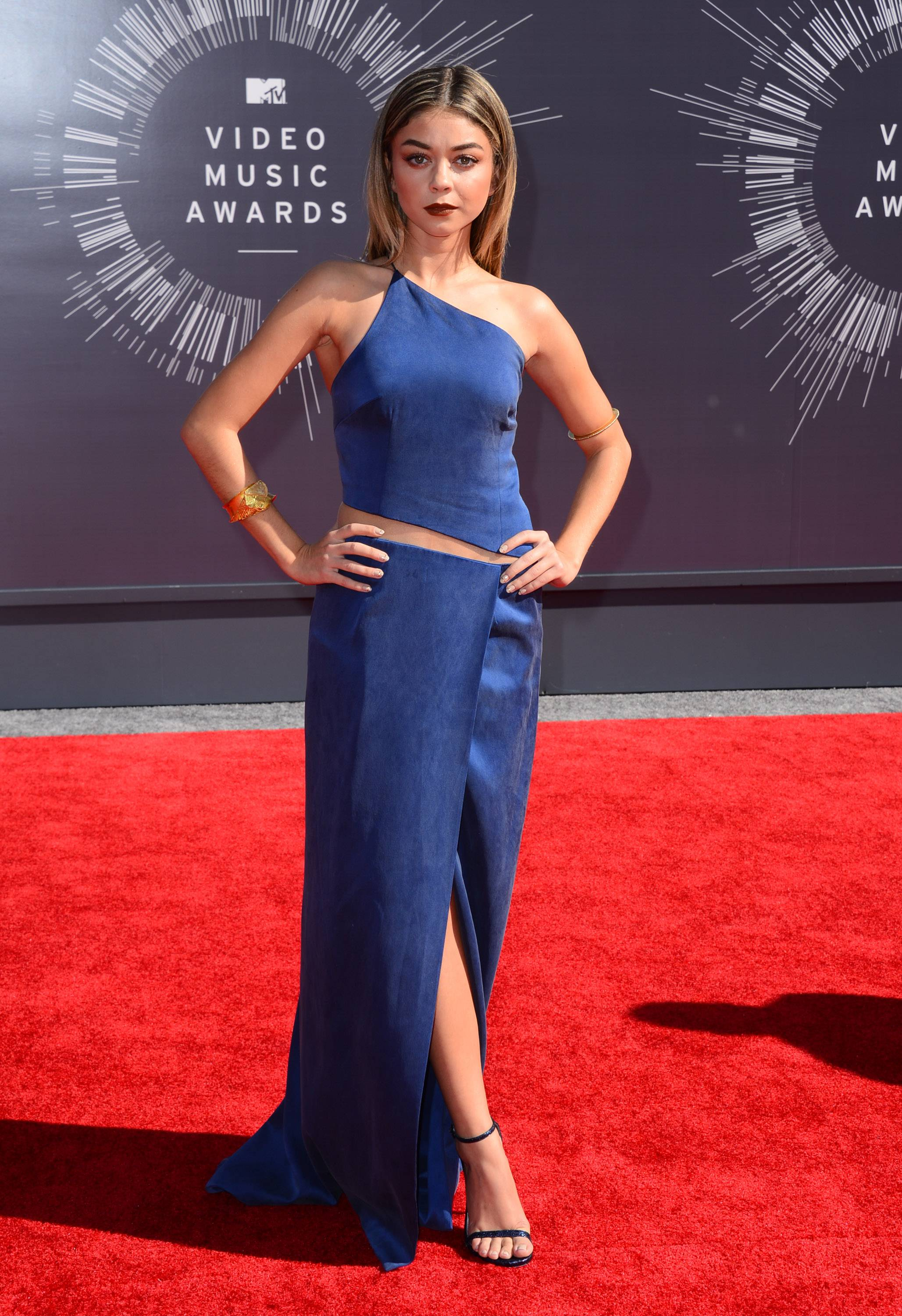 """Modern Family"" actress Sarah Hyland arrives at the MTV Video Music Awards at The Forum on Sunday in Inglewood, Calif."